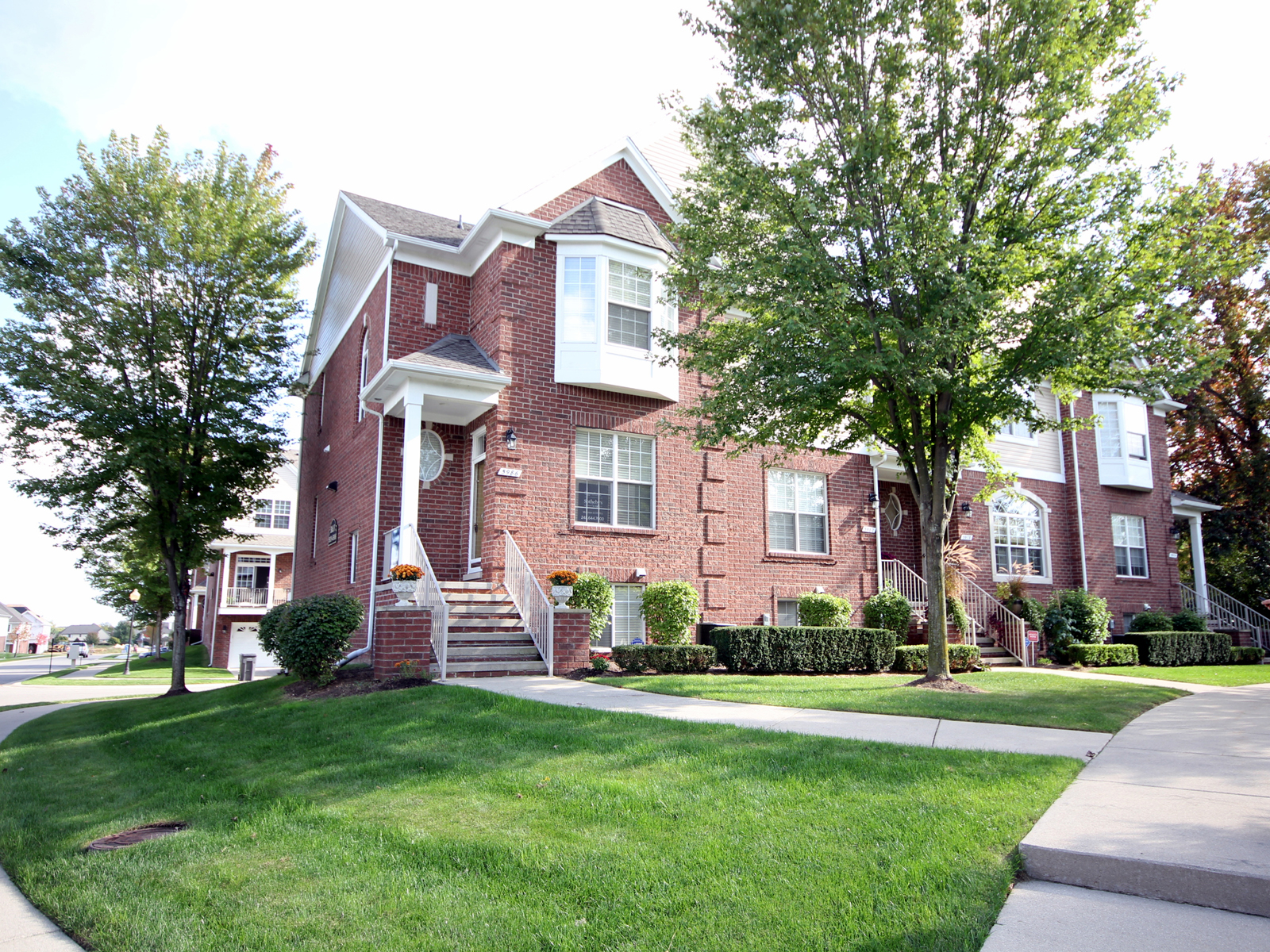 共管式独立产权公寓 为 销售 在 Shelby Township 5986 Windemere Lane Unit 148 Shelby Township, 密歇根州 48316 美国