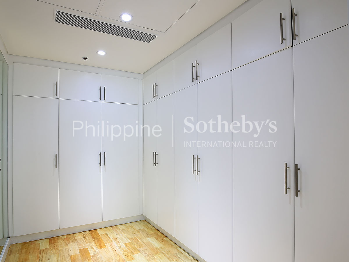 Property Of Cozy Three Bedroom, The Residence at Greenbelt, Laguna