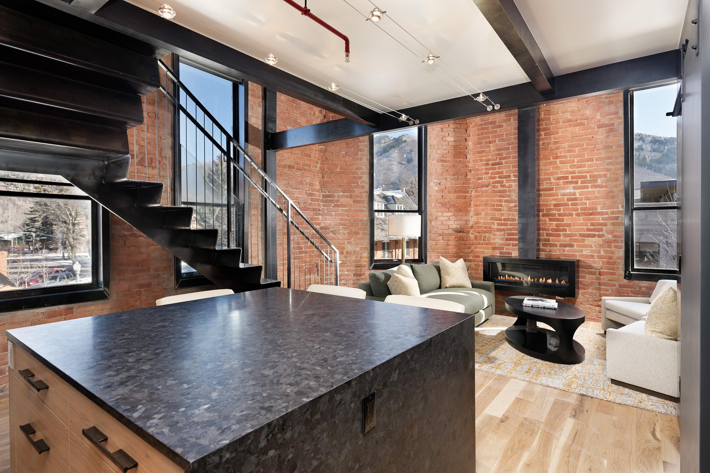 Appartement en copropriété pour l Vente à World Class Condo 205 S Galena Street #13 Central Core, Aspen, Colorado, 81611 États-Unis