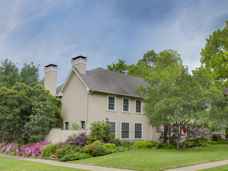Частный односемейный дом для того Продажа на Highland Park Treasure 4501 Lorraine Avenue Dallas, Техас 75205 Соединенные Штаты