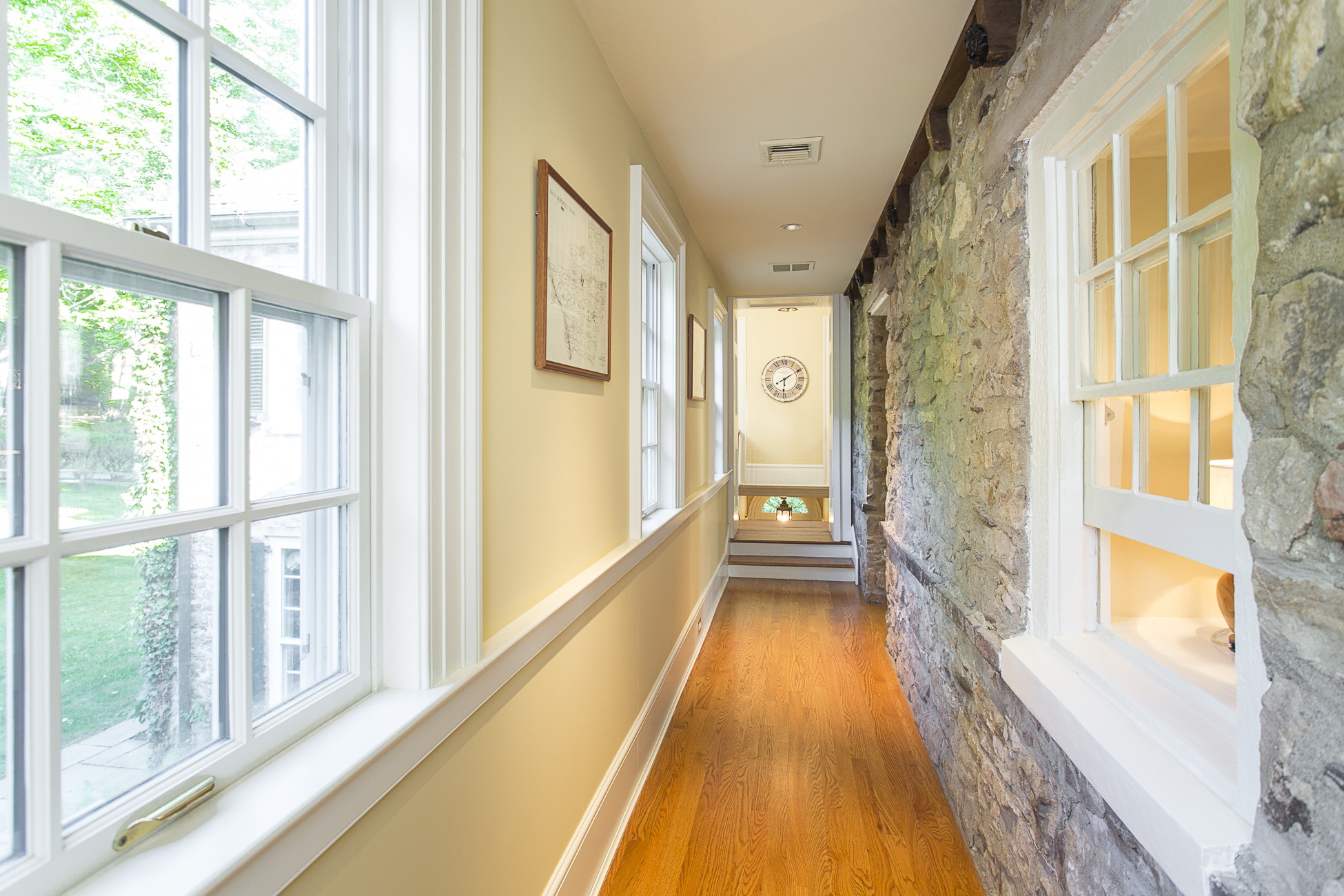 Additional photo for property listing at Circa 1760 Farmhouse is a 21st Century Beauty - Hopewell Township 175 Woosamonsa Road Pennington, New Jersey 08534 États-Unis