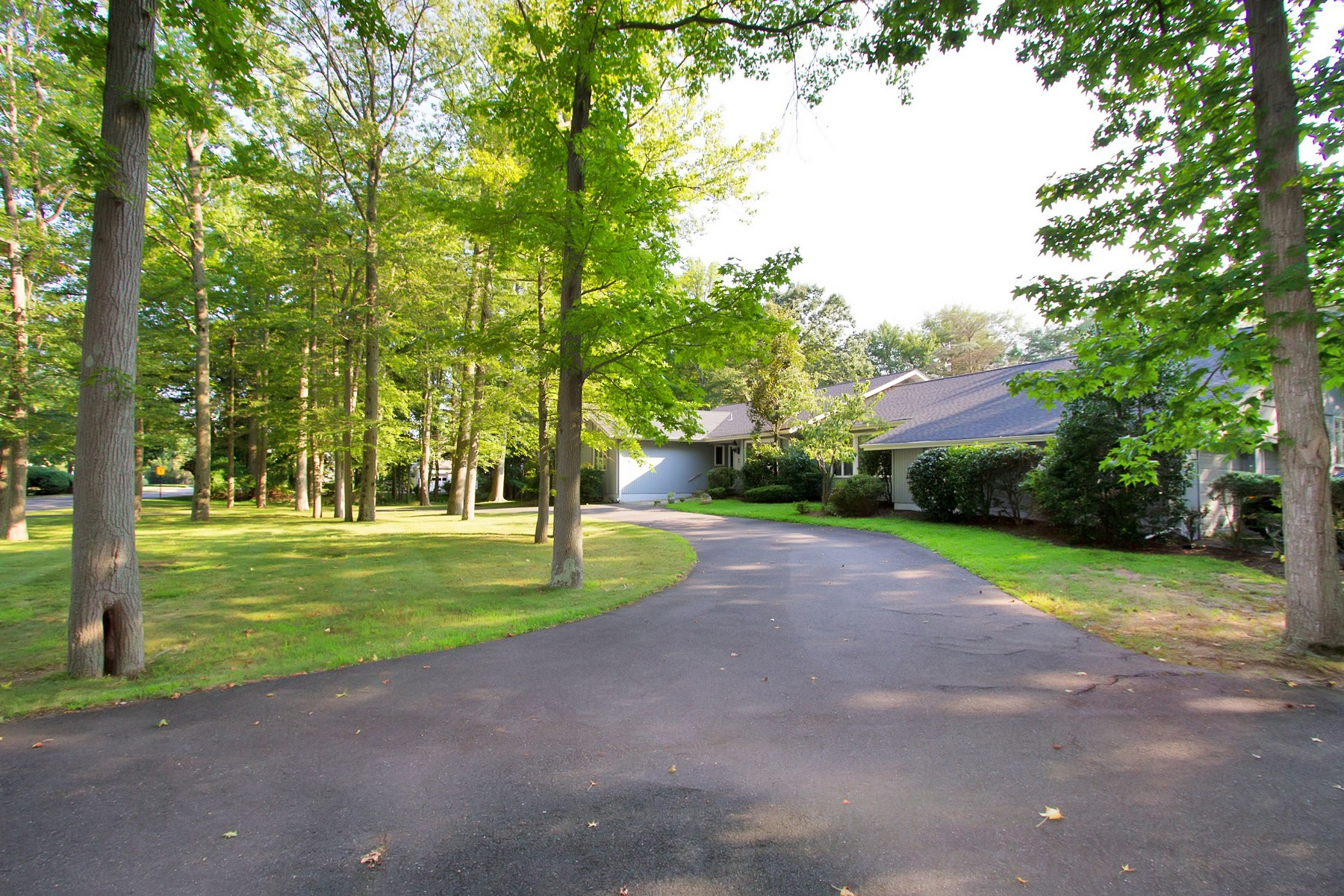 Single Family Home for Sale at Easy living in this sprawling ranch home 2 River Edge Dr Rumson, New Jersey, 07760 United States