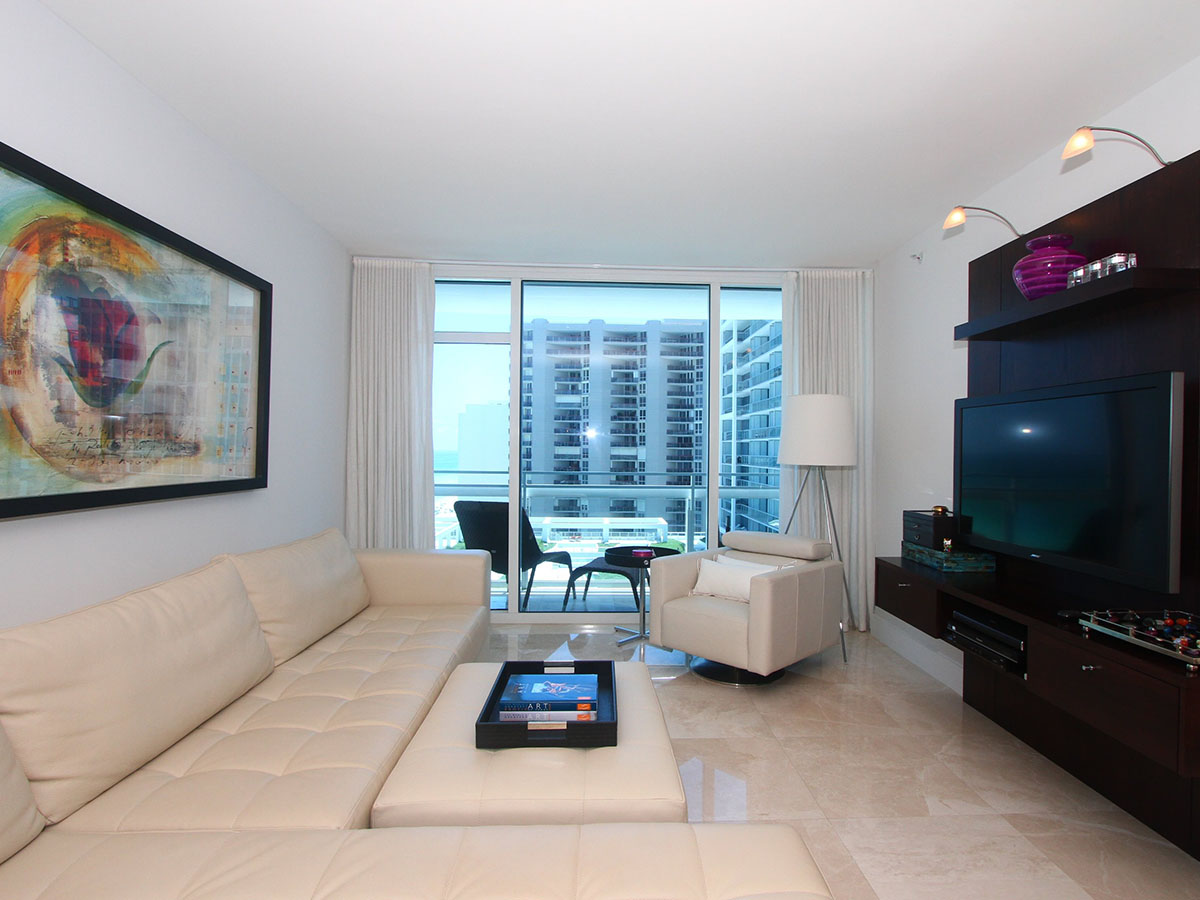 Apartment for Sale at Canyon Ranch Center Tower 1110 6801 Collins Ave Unit 1110 Miami Beach, Florida 33141 United States