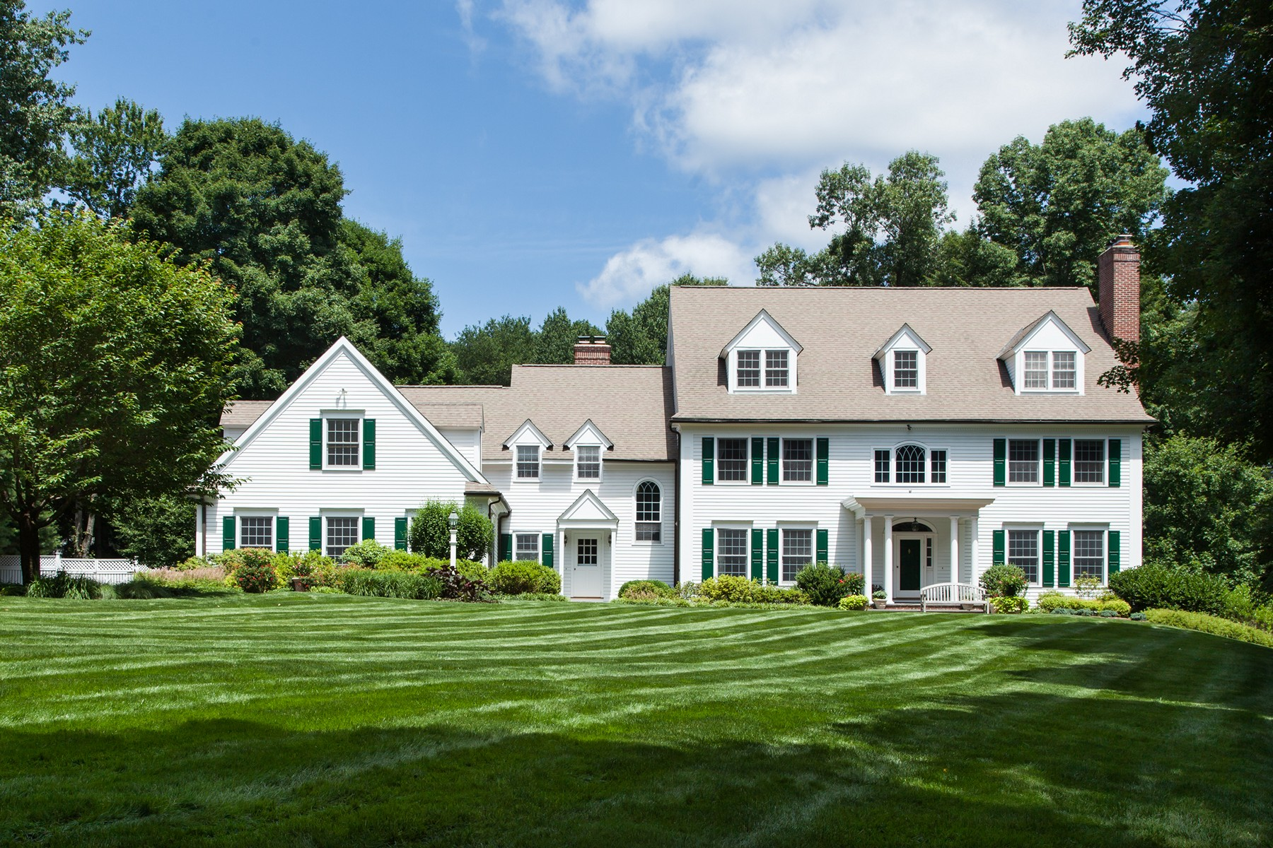 sales property at Chappaqua Schools