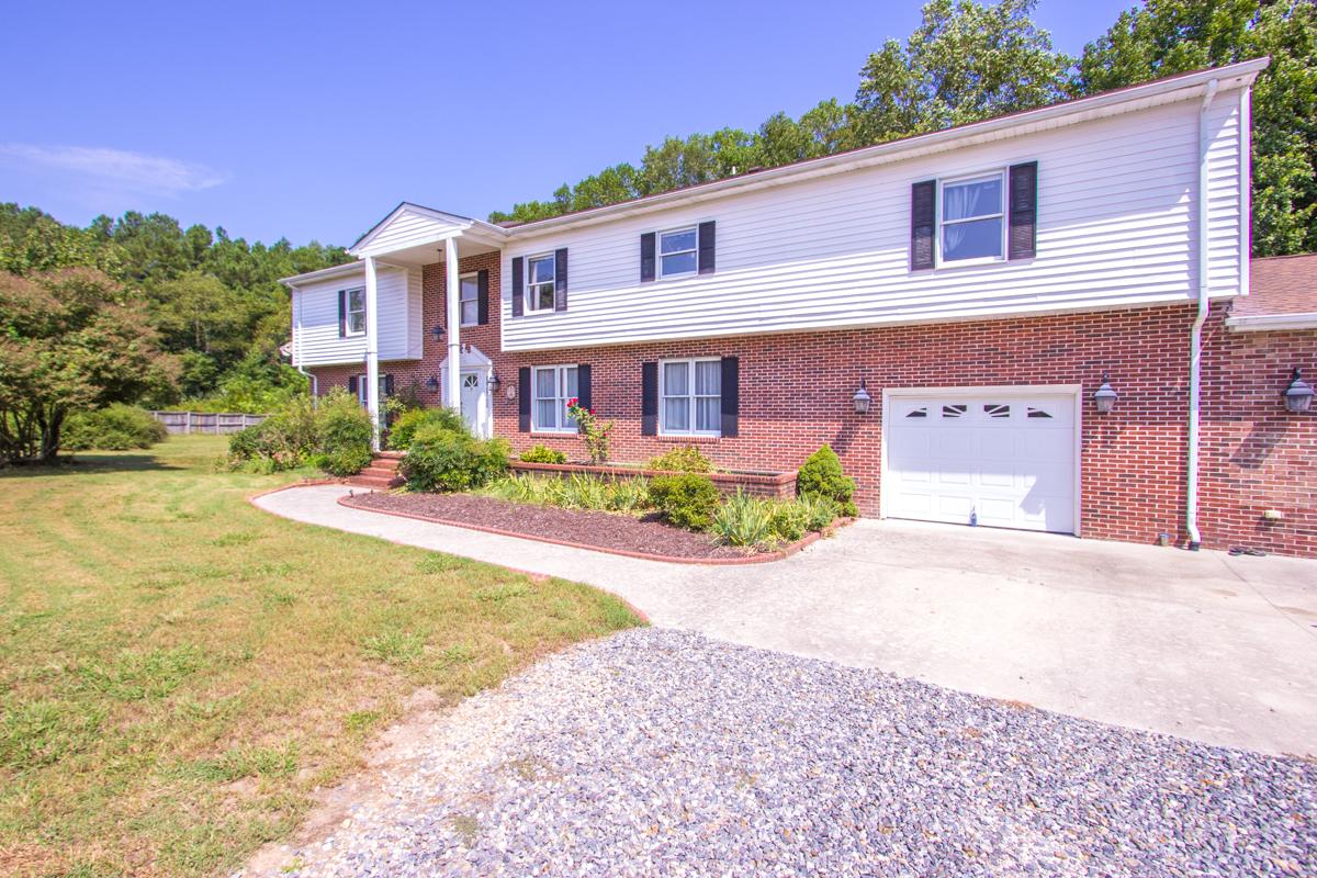 Casa Unifamiliar por un Venta en Belroi Farms 4761 Belroi Green Cir. Gloucester, Virginia, 23061 Estados Unidos