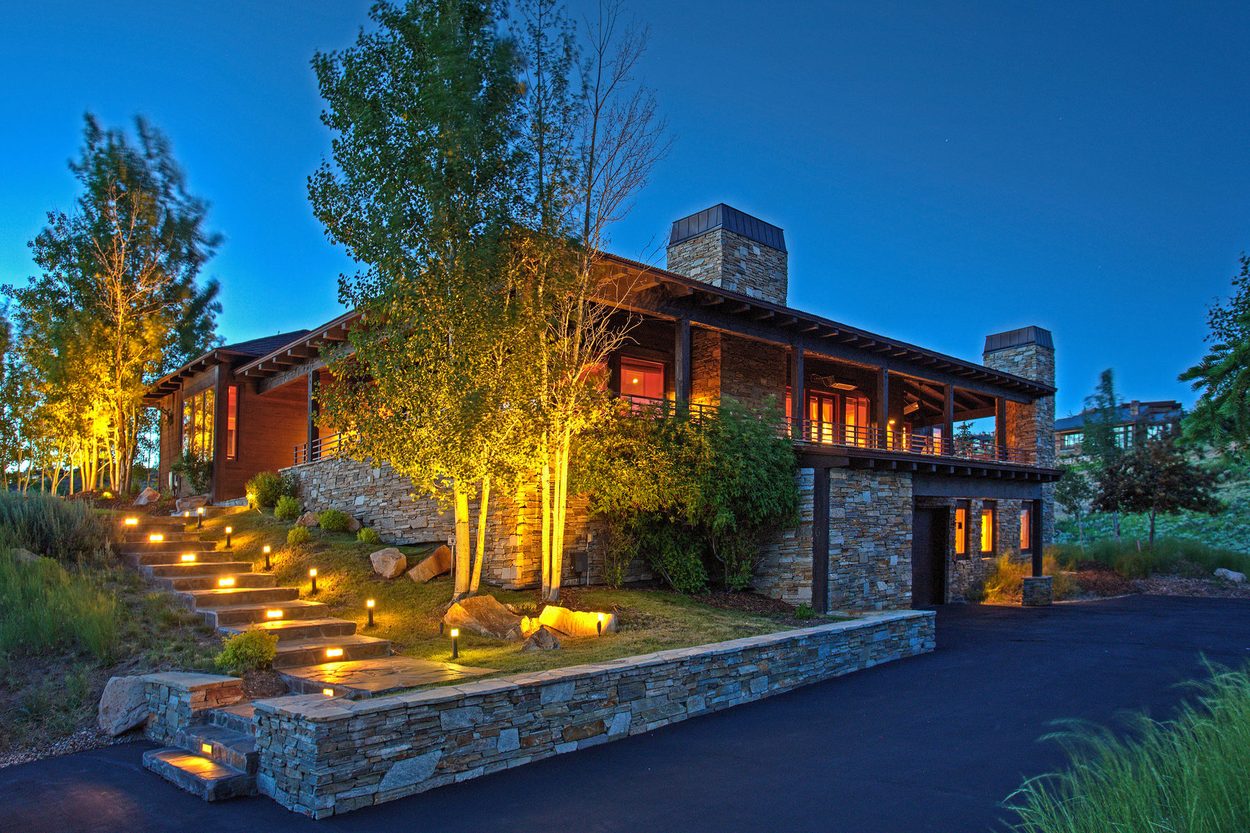Casa para uma família para Venda às Effortless Living In This Exclusive Promontory Hideaway 7526 Ranch Club Trl Park City, Utah, 84098 United States