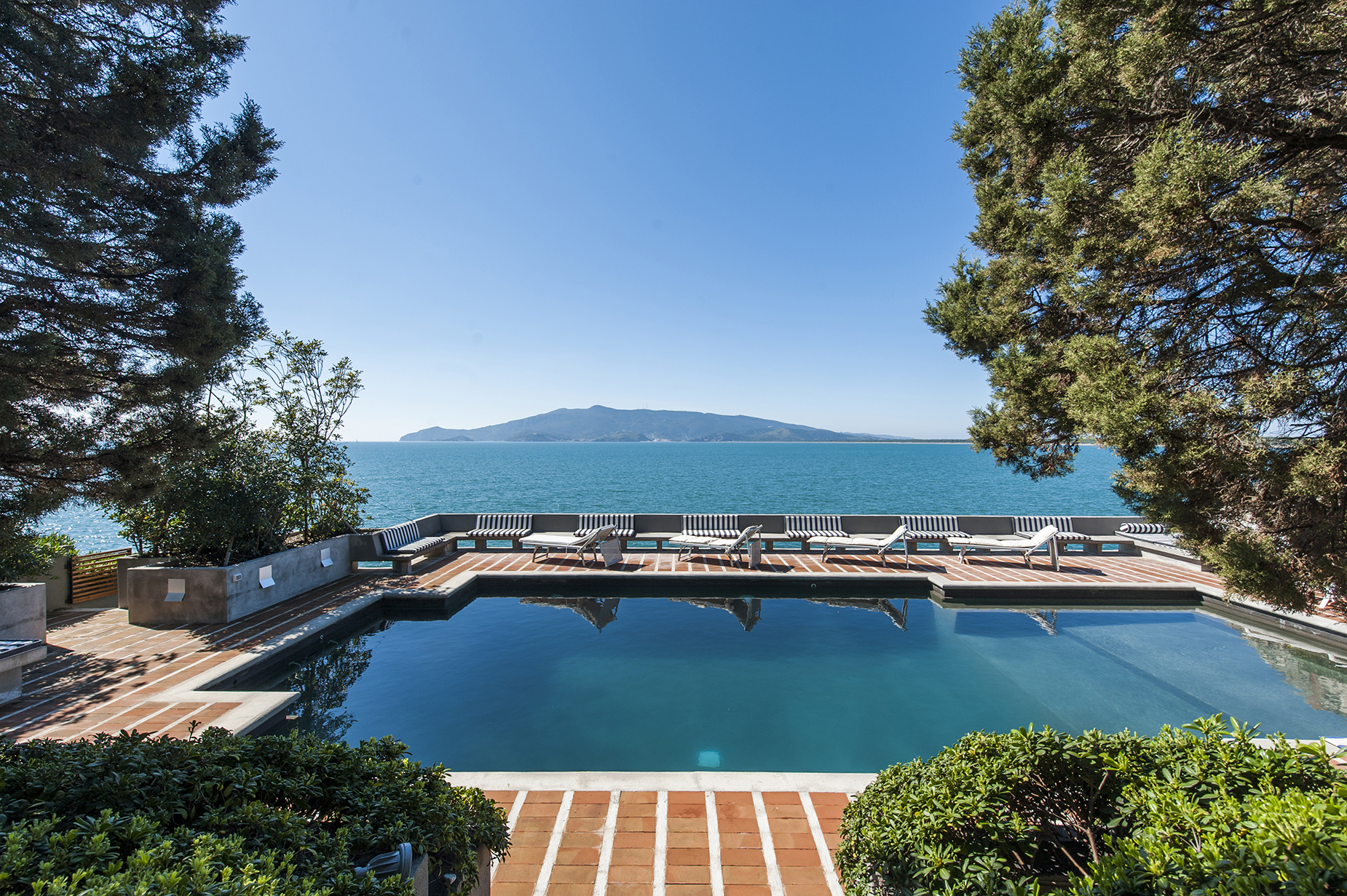 Additional photo for property listing at Magnificent Villa in Ansedonia overlooking the sea Ansedonia, Grosseto Italy
