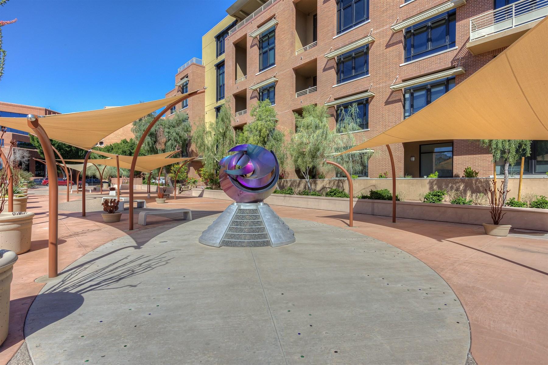 Wohnung für Verkauf beim Tremendous Penthouse Loft in Old Town Scottsdale 7301 N 3rd Ave #PH4-506 Scottsdale, Arizona 85251 Vereinigte Staaten