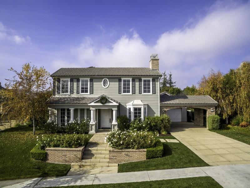Maison unifamiliale pour l Vente à 3935 Prado De Las Frutas Calabasas, Californie, 91302 États-Unis