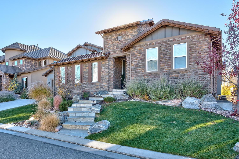Maison unifamiliale pour l Vente à Stunning main floor master located in Backcountry 10593 Autumnsong Ct Highlands Ranch, Colorado, 80126 États-Unis