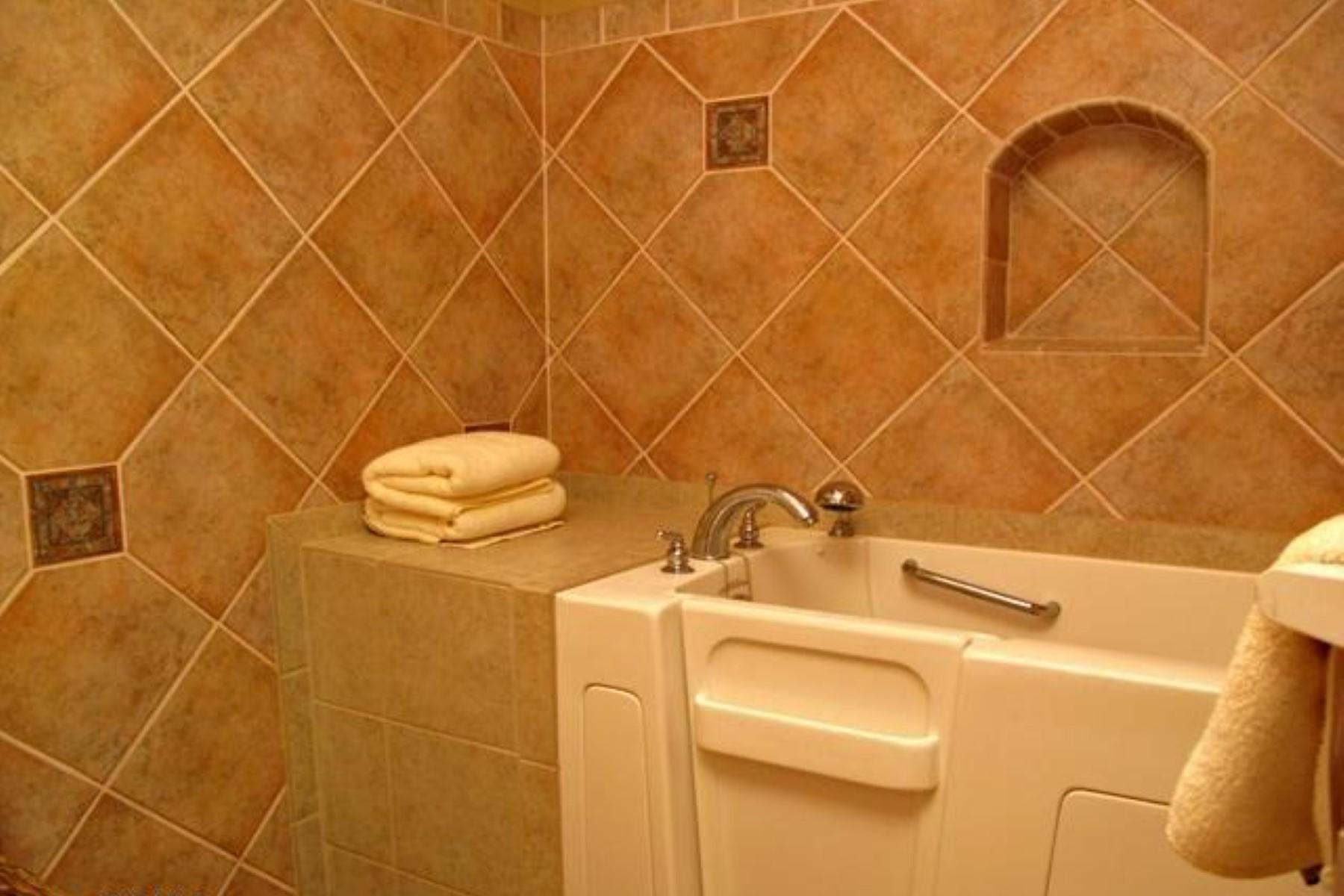 Maison unifamiliale pour l Vente à 3351 Tonto Drive 11 Avenida De Herran Tubac, Arizona 85646 États-Unis