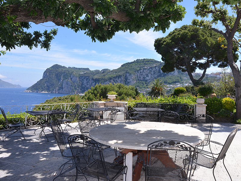 Vivienda unifamiliar por un Venta en Astonishing villa in capri island with private sea access Capri, Naples 80073 Italia