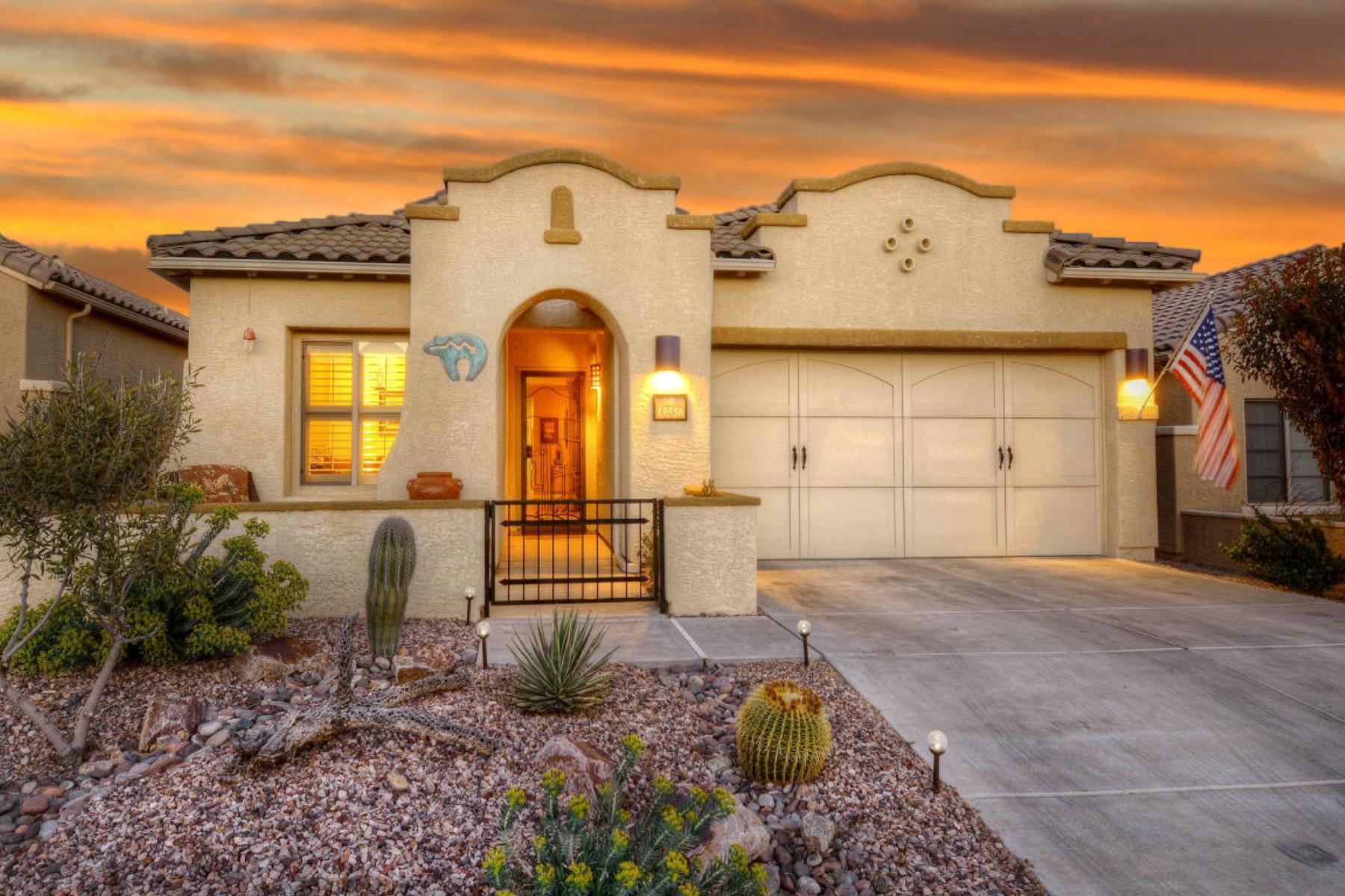 Villa per Vendita alle ore Charming home with breathtaking views 13556 N Atalaya Way Tucson, Arizona, 85755 Stati Uniti