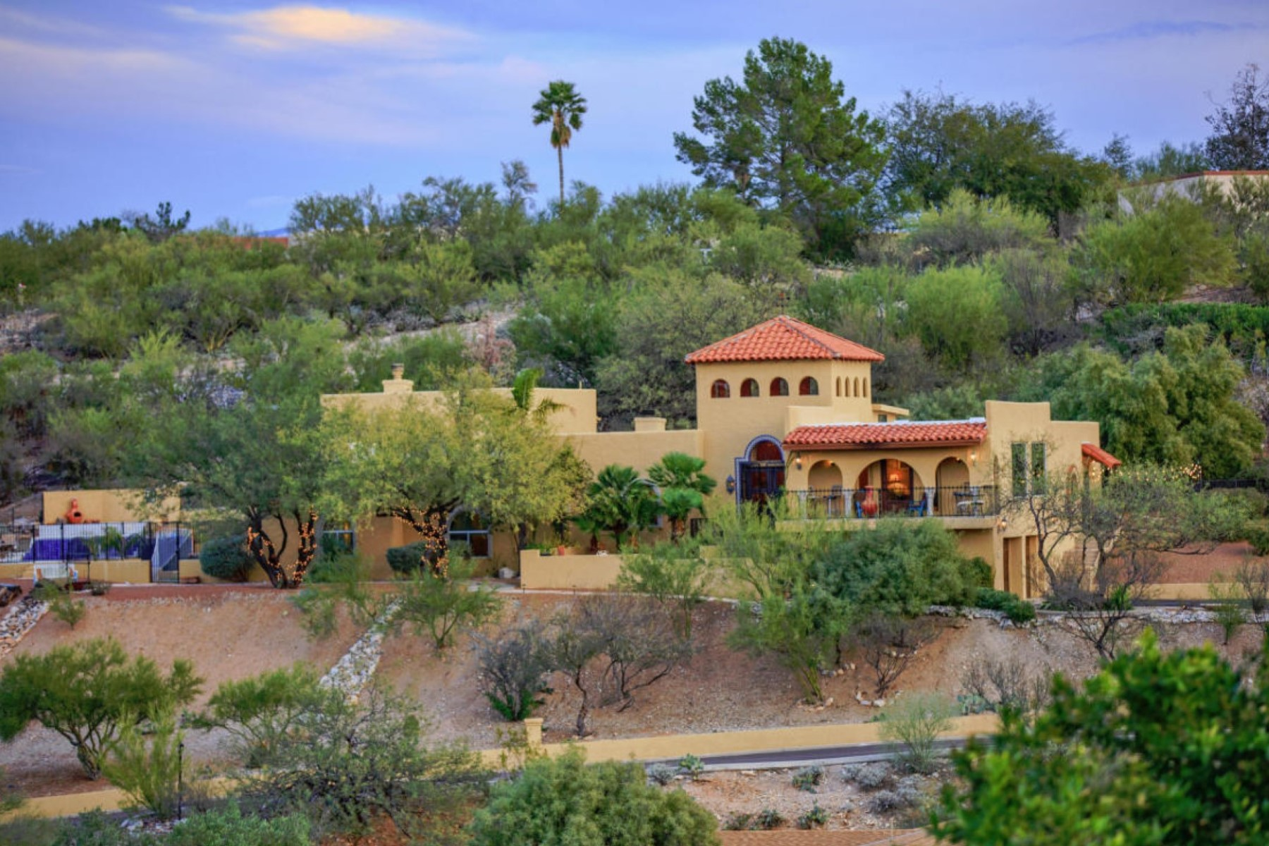 Single Family Home for Sale at Magnificent Mediterranean Family Home with Gorgeous Views 5884 E Calle Del Ciervo Tucson, Arizona 8575 United States