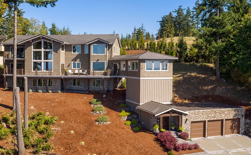 Maison unifamiliale pour l Vente à Exceptional Home, Exceptional Views! 6328 170th Place Bellevue, Washington, 98006 États-Unis