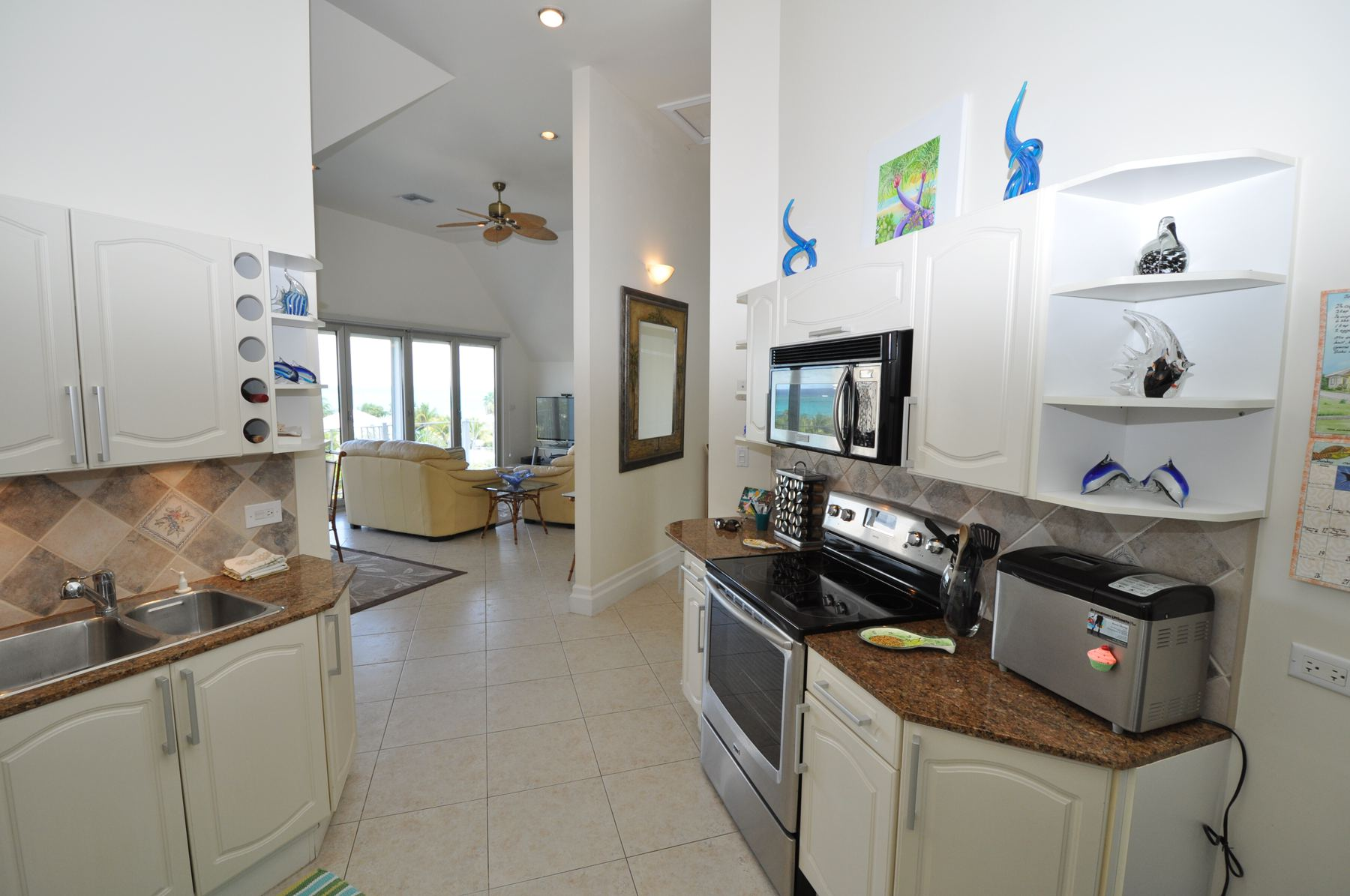 Additional photo for property listing at Love Beach Walk Penthouse Love Beach Walk, Love Beach, Nassau And Paradise Island Bahamas