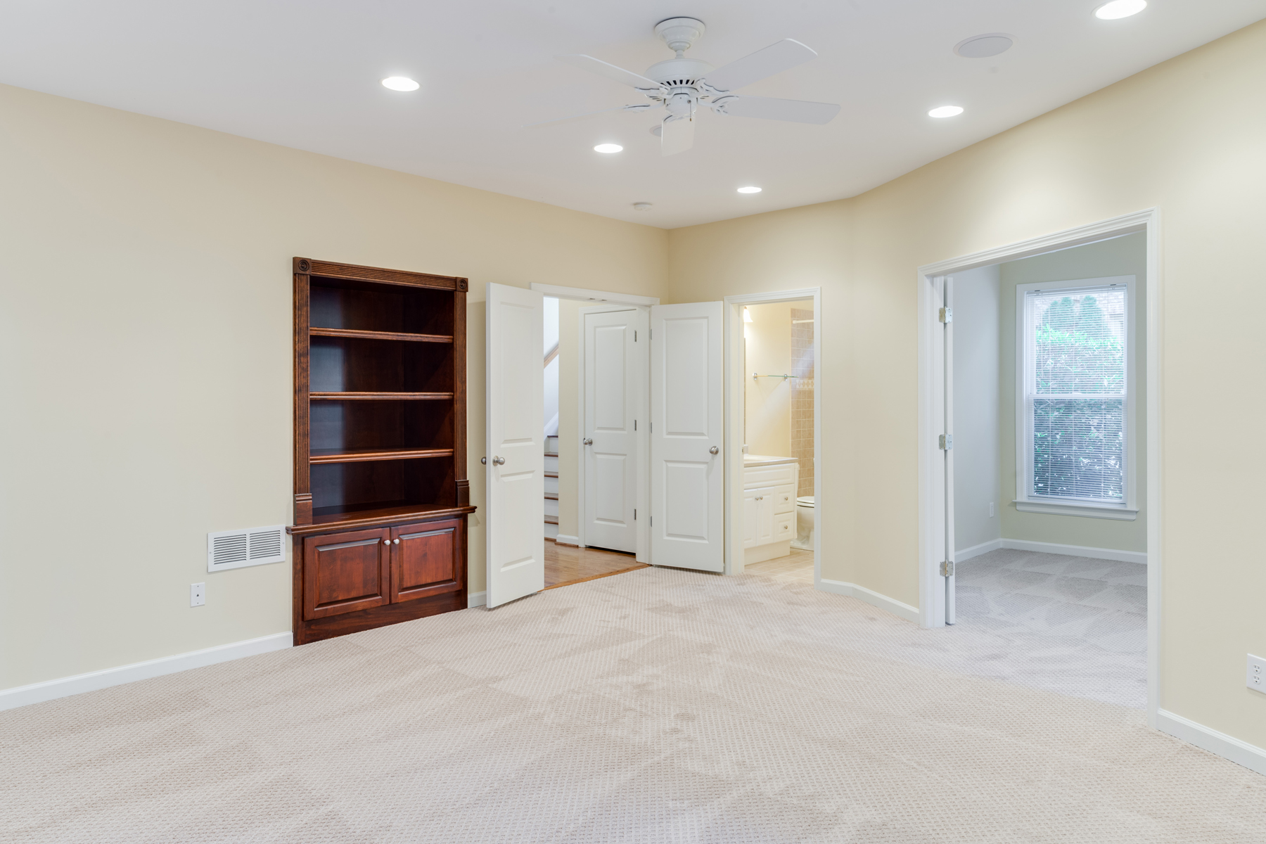 Additional photo for property listing at Immaculate Buckhead Home 1107 Valley Overlook Drive Atlanta, 喬治亞州 30324 美國