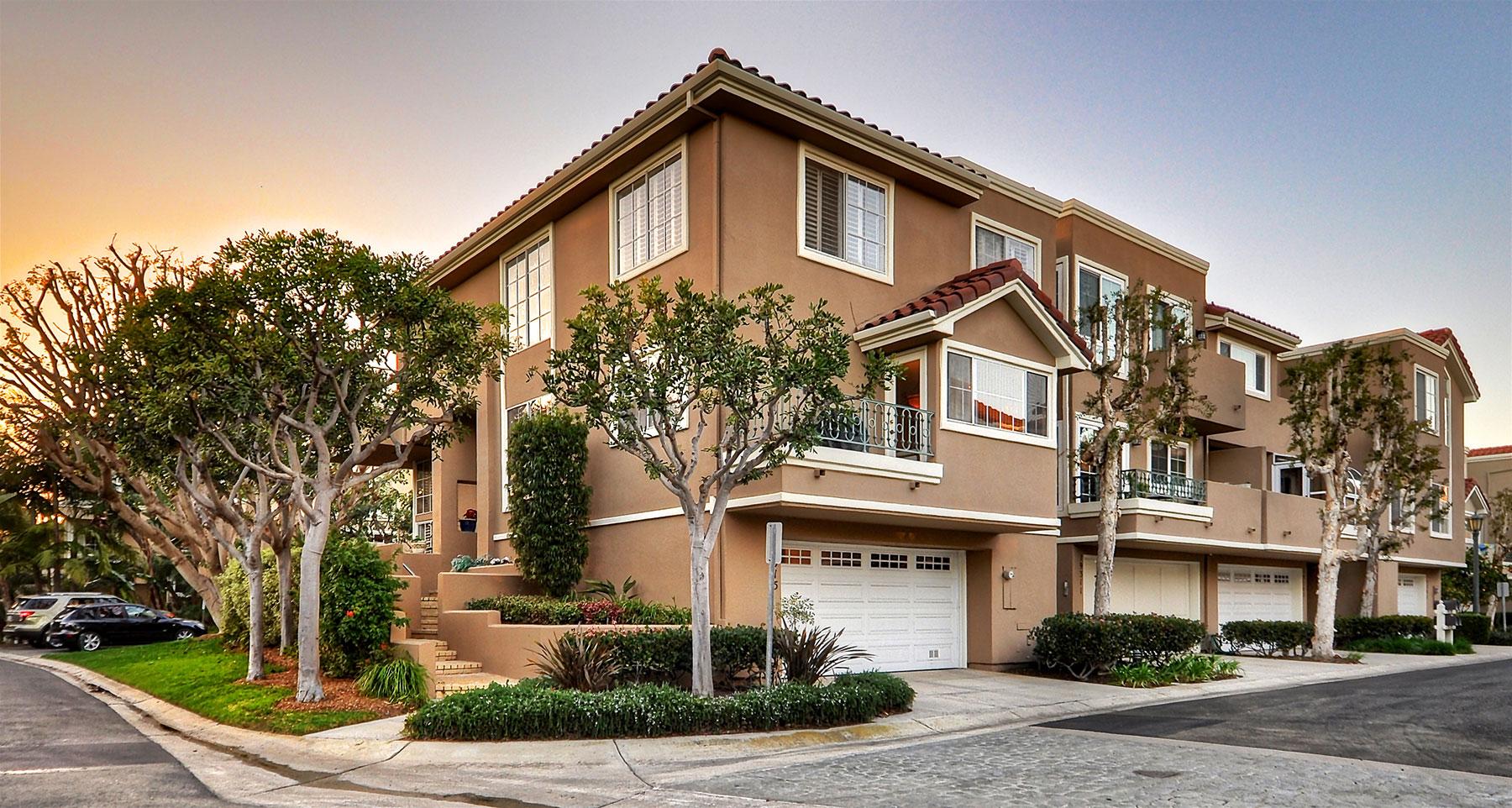 Eigentumswohnung für Verkauf beim 19315 Champion Huntington Beach, Kalifornien, 92648 Vereinigte Staaten