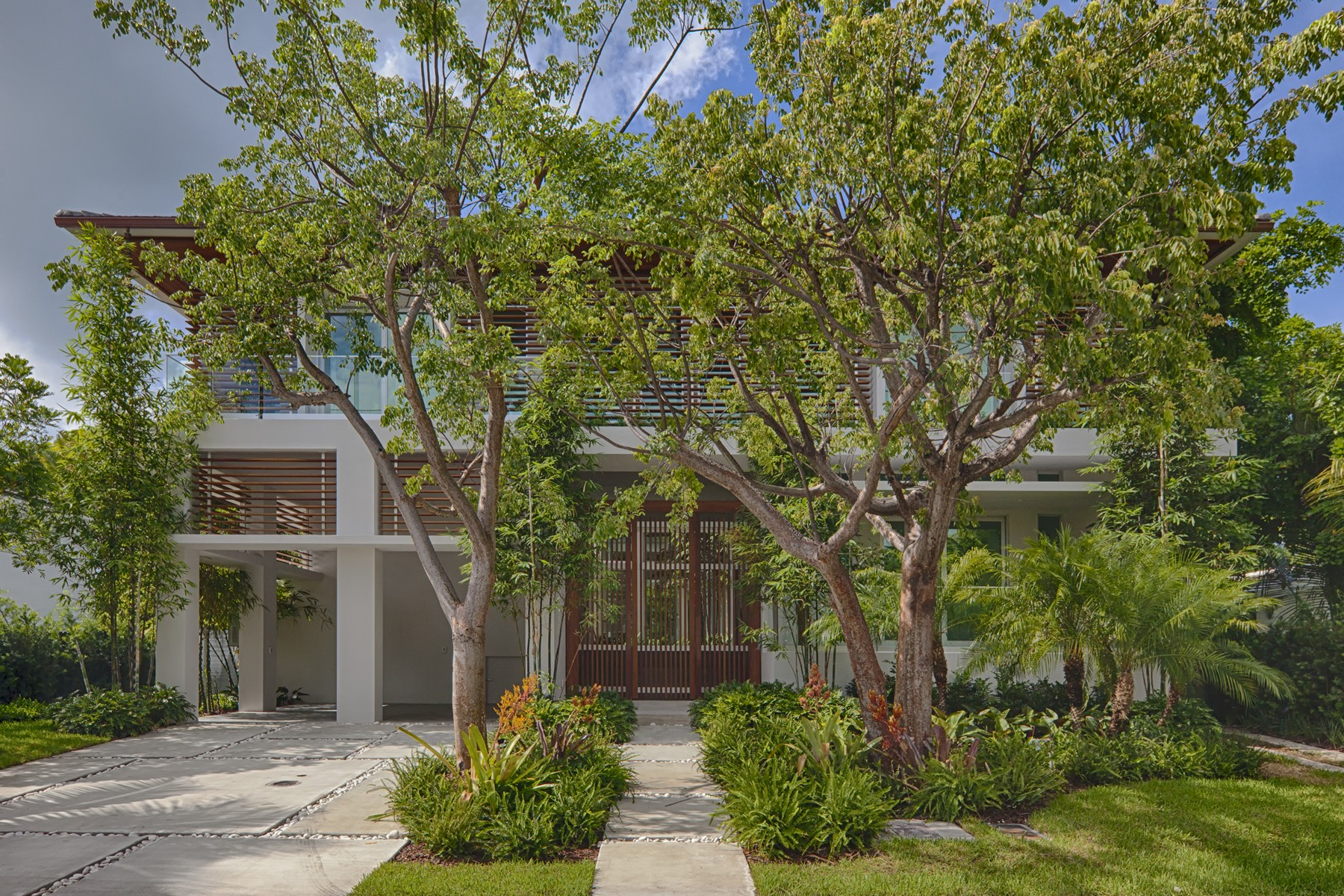 Single Family Home for Sale at 300 W Enid Dr Key Biscayne, FL 33149 Key Biscayne, Florida 33149 United States