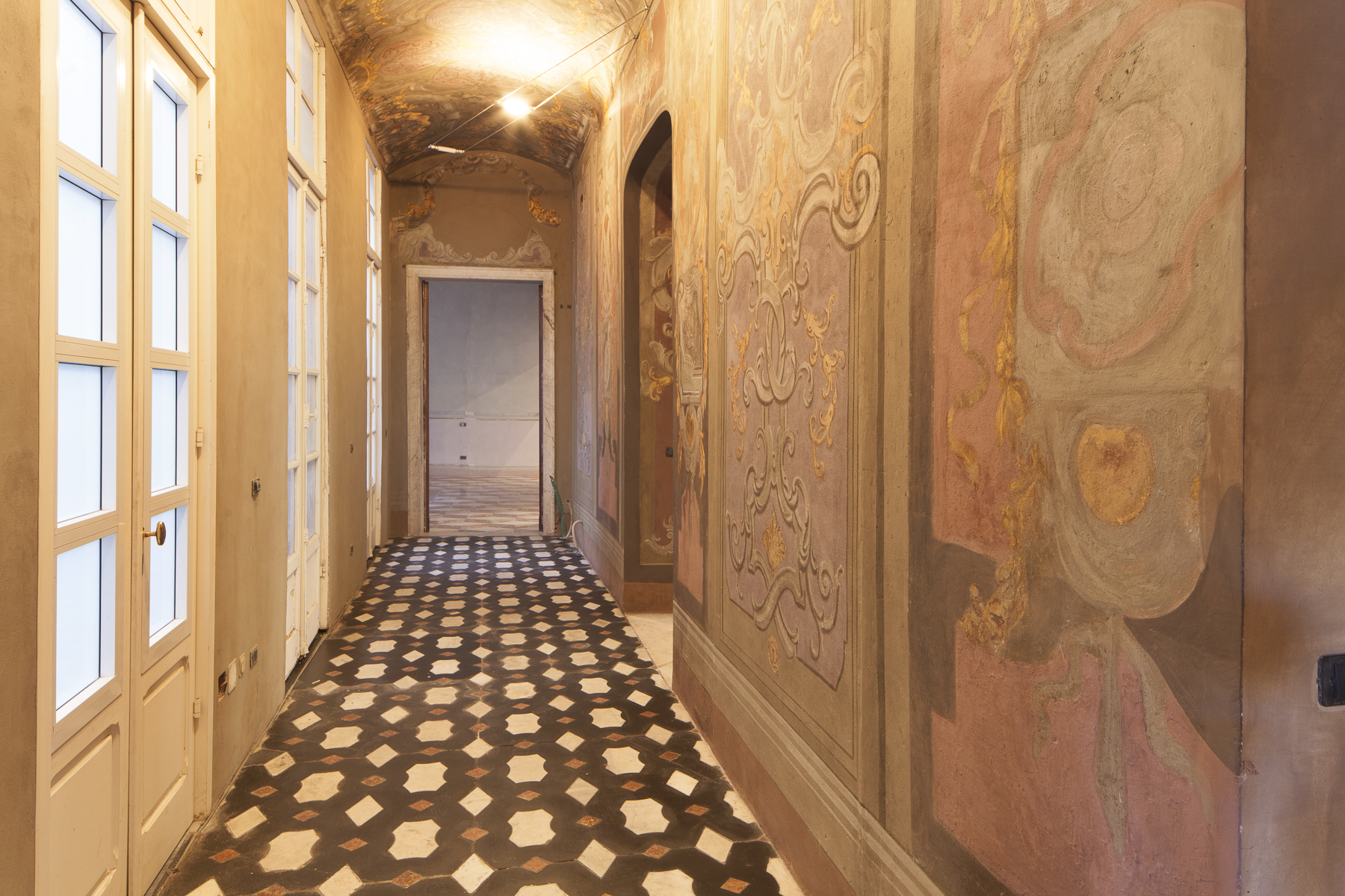 Additional photo for property listing at Highly representative apartment Piazza Ferretto Genoa, Genoa 16123 Italien