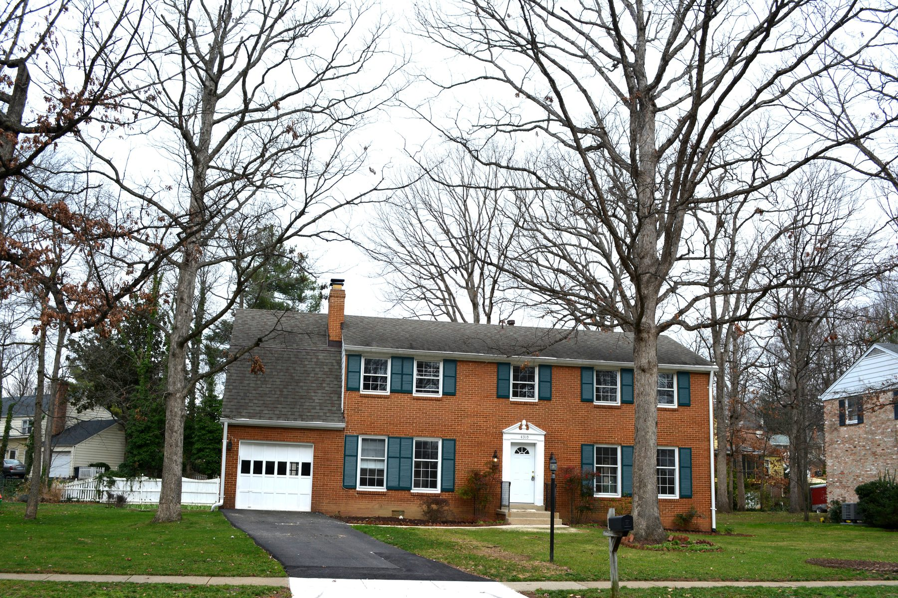 Property For Sale at 4310 Southwood Drive, Alexandria