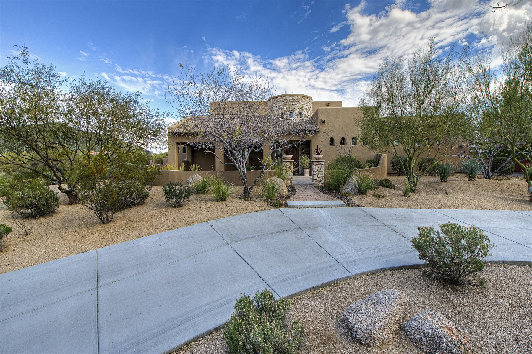 Property For Sale at Gorgeous North Scottsdale Tuscan Estate