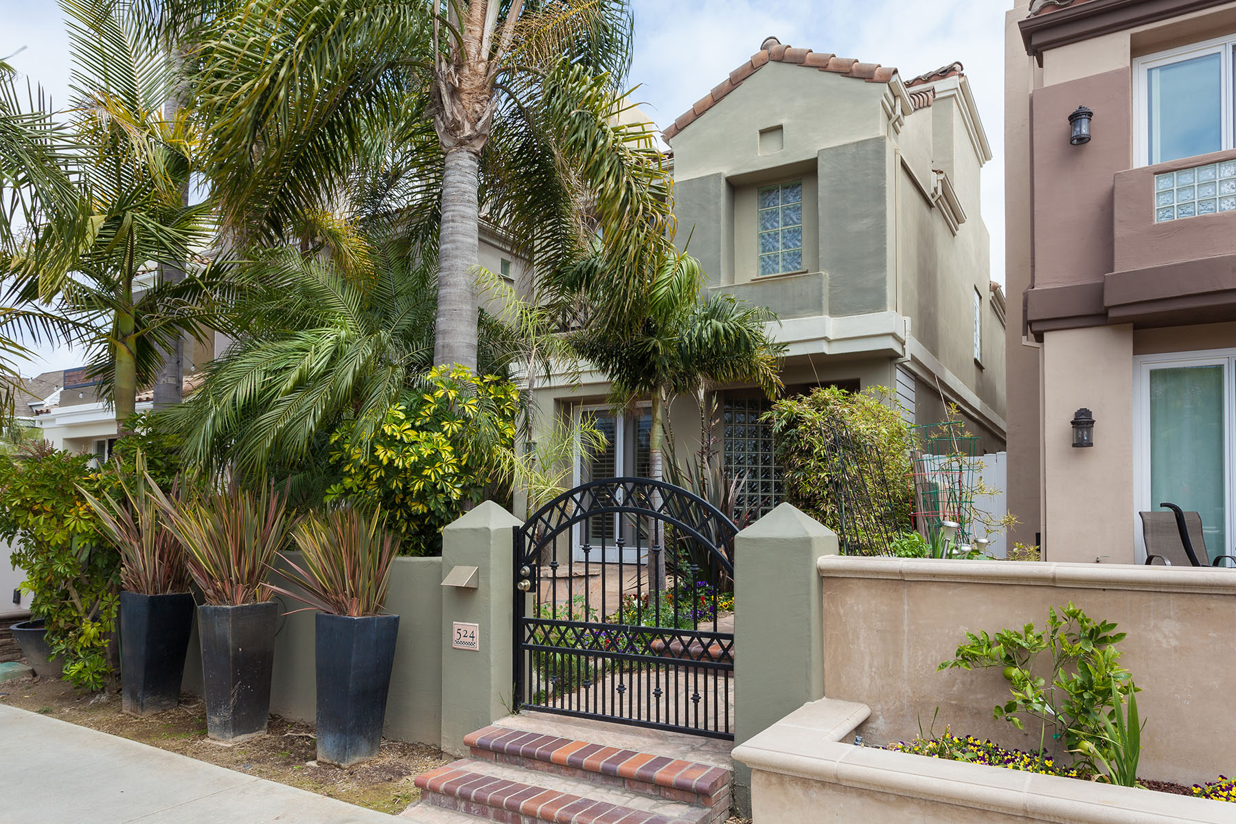 Single Family Home for Sale at 524 21st Street Huntington Beach, California 92648 United States
