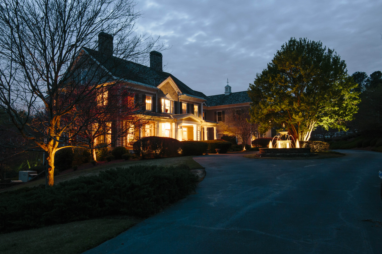 獨棟家庭住宅 為 出售 在 Majestic Estate On The Yellow River 4547 Shiloh Ridge Drive Snellville, 喬治亞州 30039 美國