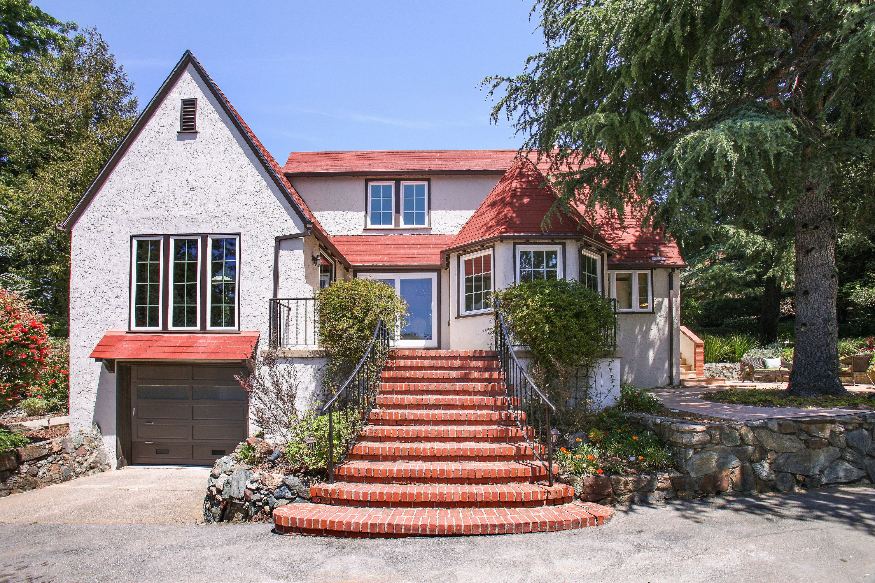 Single Family Home for Sale at Exquisite 1930's Tudor with Modern Upgrades and Vintage 26 Thomas Drive Mill Valley, California, 94941 United States