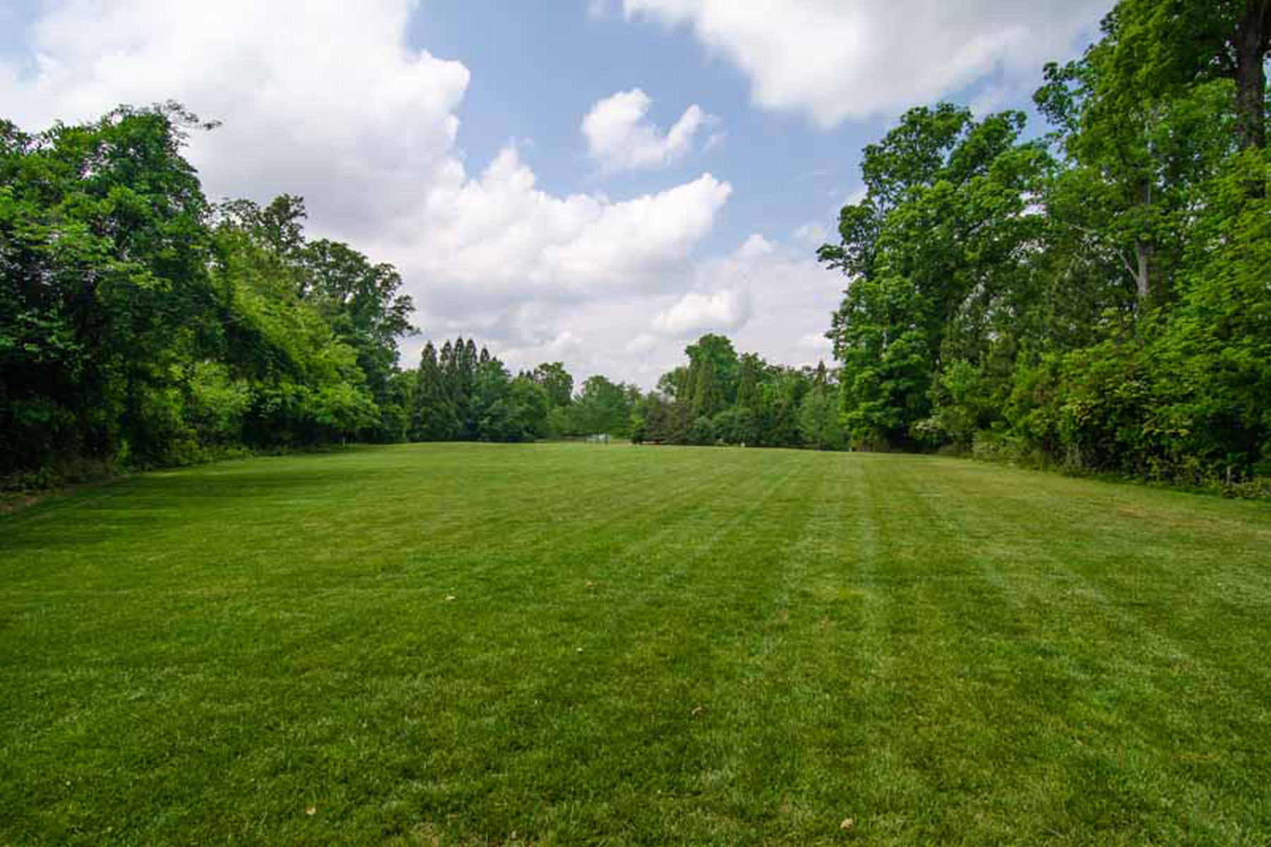 Property Of One Of A Kind 15-Acre Property