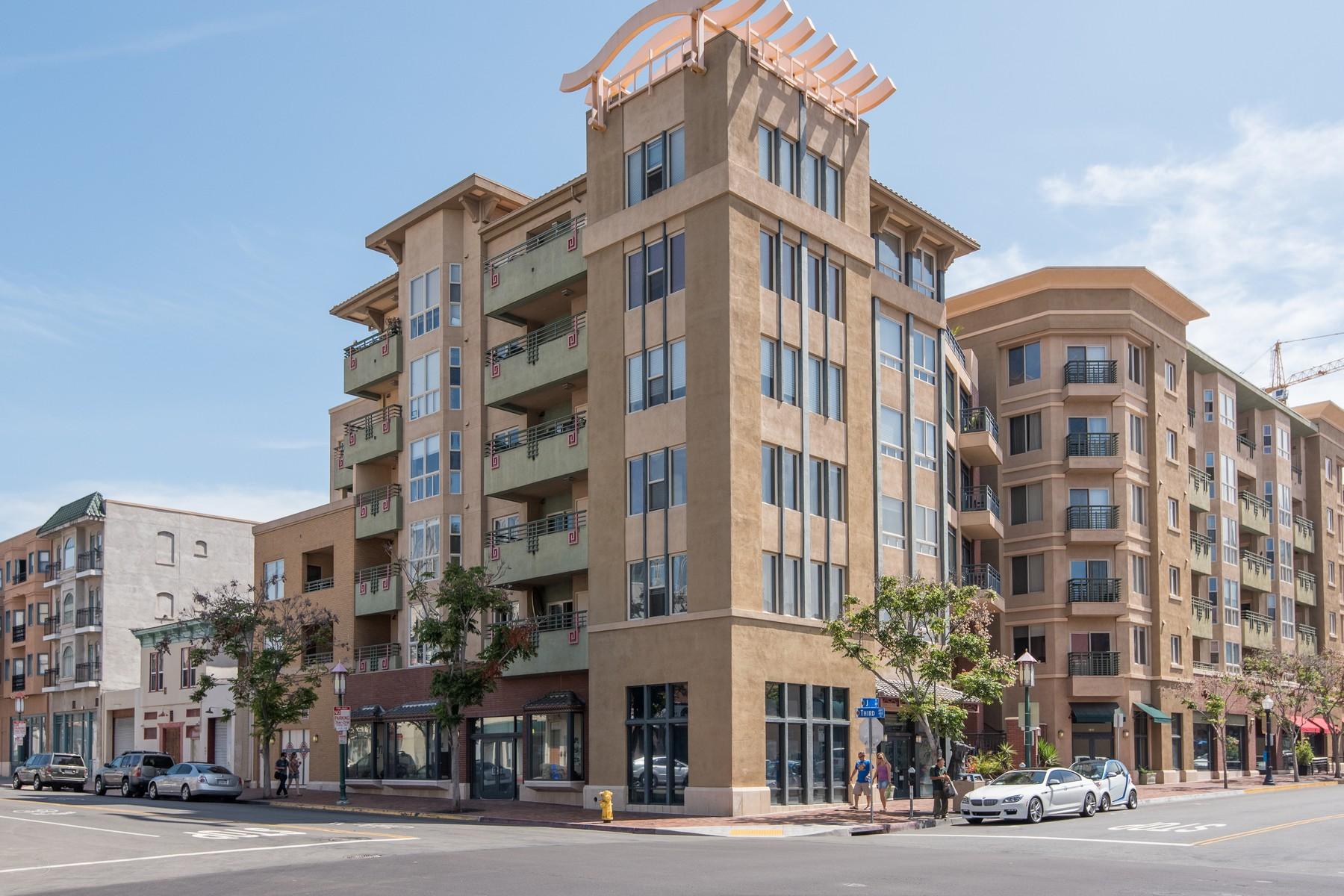 Appartement en copropriété pour l Vente à 330 J St 202 San Diego, Californie 92101 États-Unis