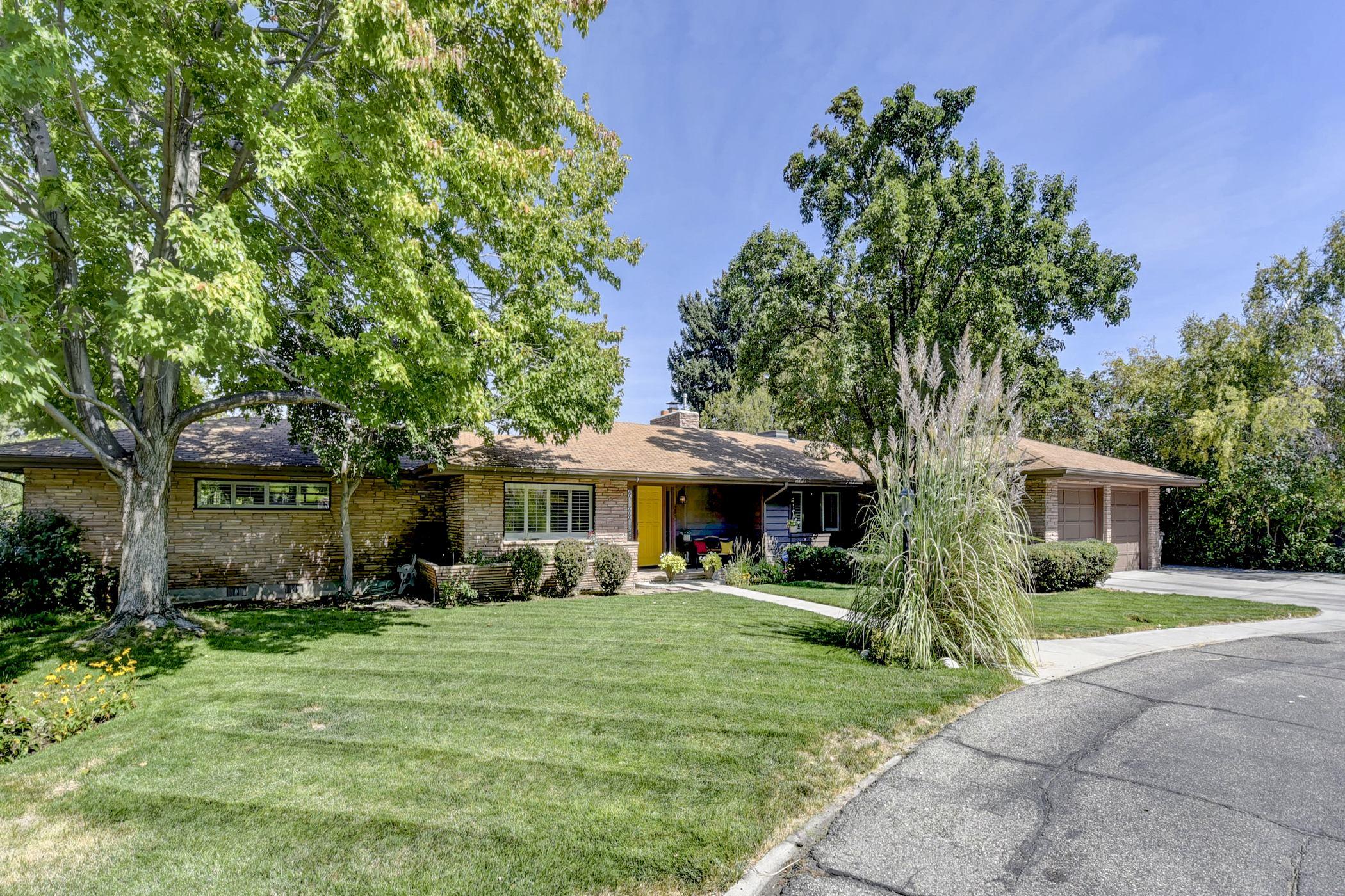 Maison unifamiliale pour l Vente à 4820 Roberts, Boise 4820 W Roberts Boise, Idaho, 83705 États-Unis
