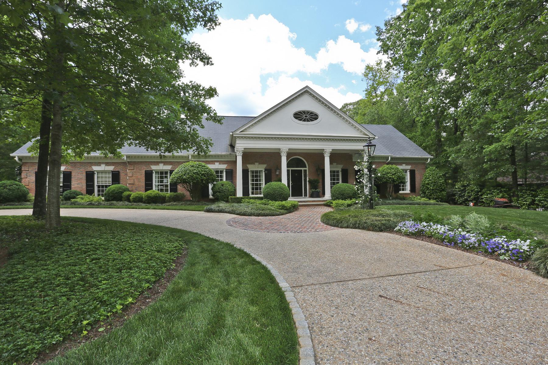단독 가정 주택 용 매매 에 Renovated Brick Home In Sandy Springs With Pool And English Gardens 5660 Glen Errol Road Atlanta, 조지아, 30327 미국