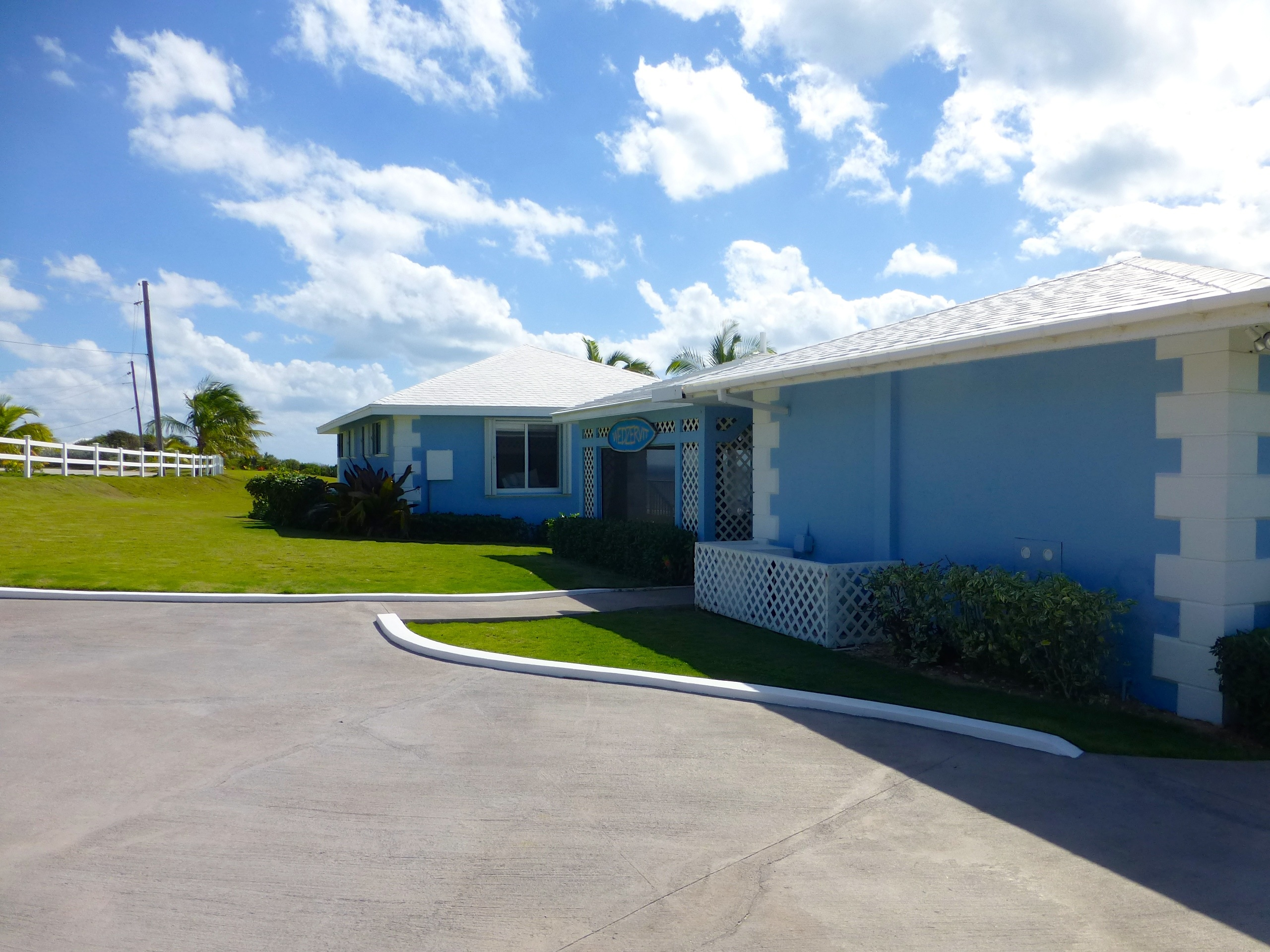 Additional photo for property listing at Rainbow Bay Waterfront Estate Rainbow Bay, Eleuthera Bahamas