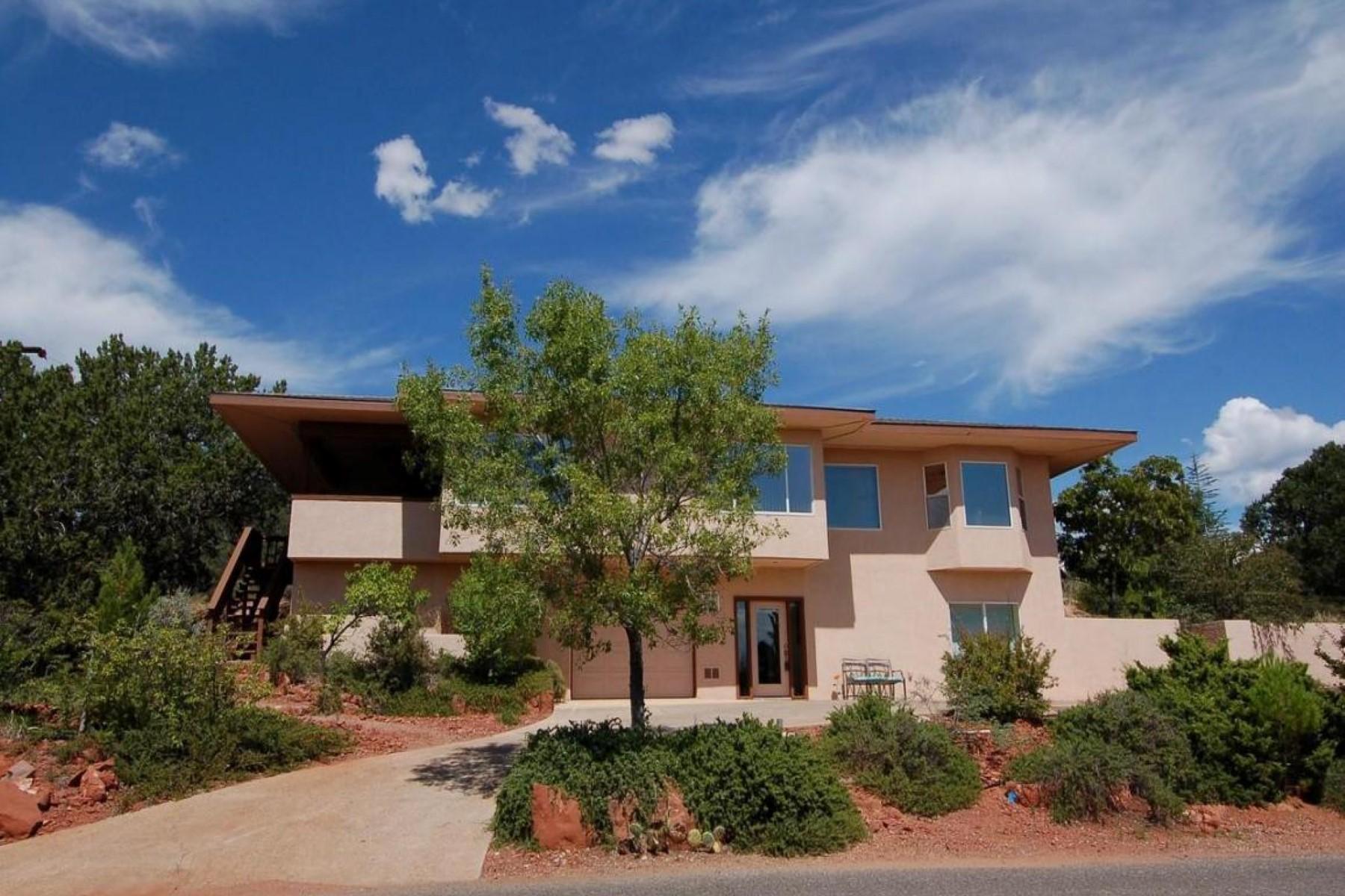 Tek Ailelik Ev için Satış at Transformed home centrally located in West Sedona 2000 Maxwell House Drive Sedona, Arizona 86336 Amerika Birleşik Devletleri