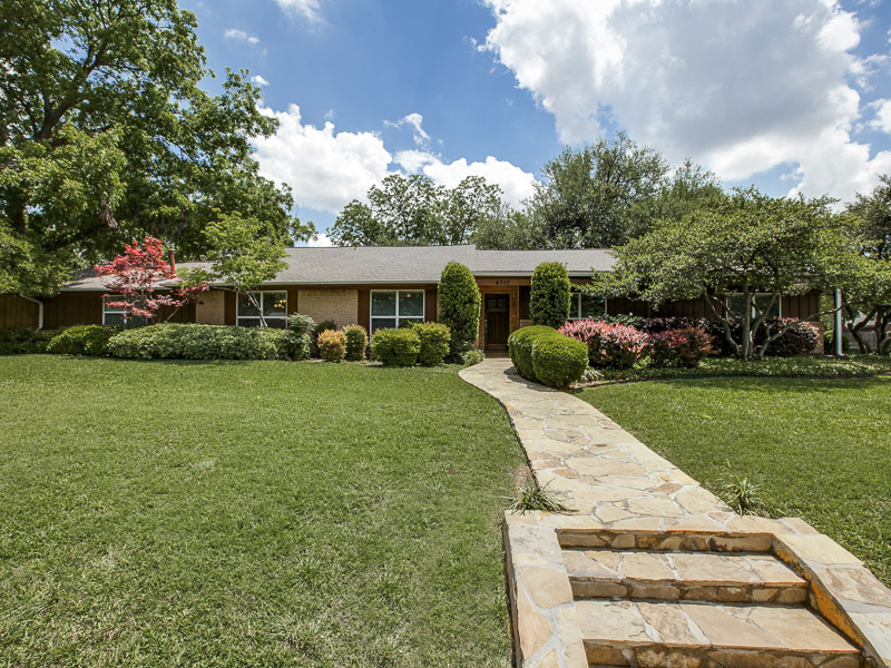 Single Family Home for Sale at 4310 Reaumur Drive Dallas, Texas 75229 United States