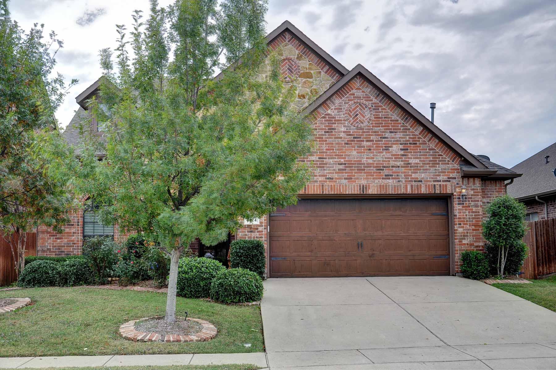 Nhà ở một gia đình vì Bán tại Beautifully Crafted Traditional 1424 Ocotillo Ln Fort Worth, Texas, 76177 Hoa Kỳ