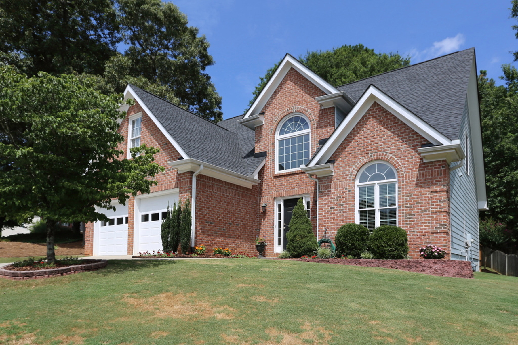 一戸建て のために 売買 アット Pristine Brick Master On Main With Prime South Forsyth Location 5610 Shepherds Pond Alpharetta, ジョージア, 30004 アメリカ合衆国