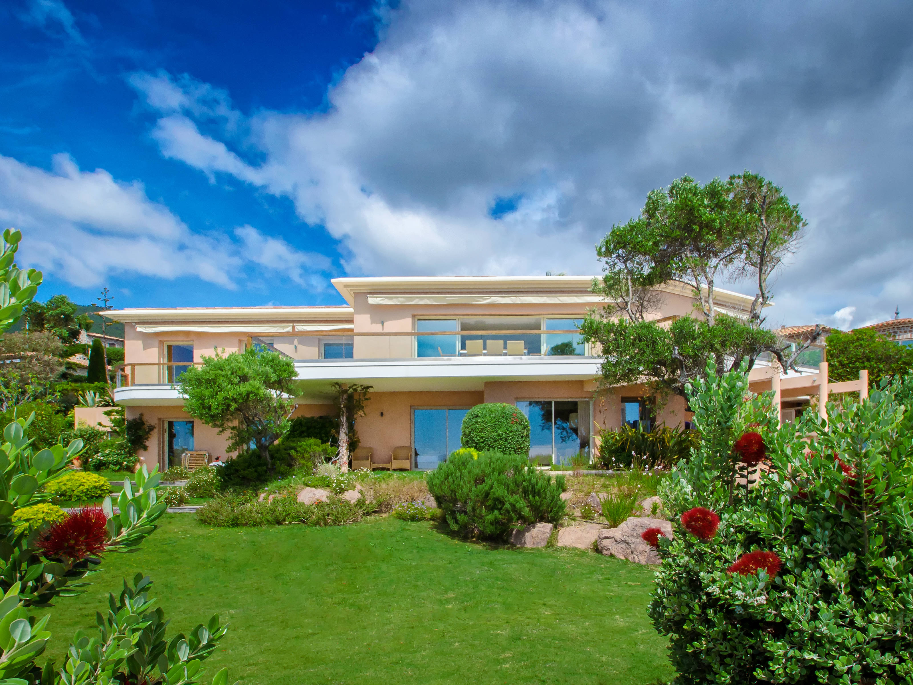 Single Family Home for Sale at Private Estate - Waterfront property - Théoule sur Mer Cannes, Provence-Alpes-Cote D'Azur 06590 France