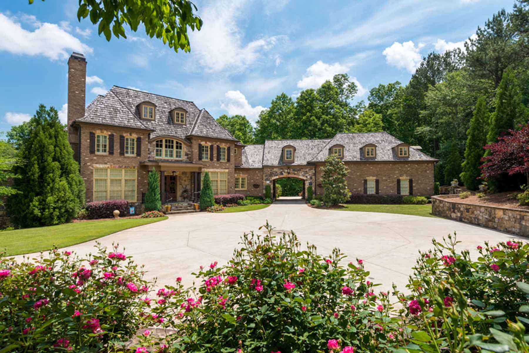 Maison unifamiliale pour l Vente à Luxurious Private Estate 200 Woodhaven Lane Ball Ground, Georgia 30107 États-Unis