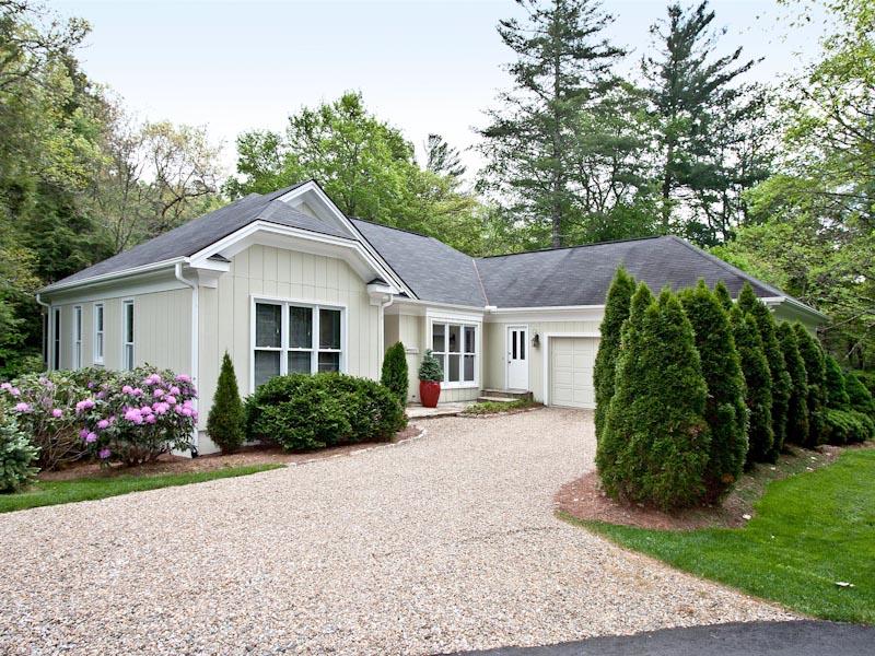 獨棟家庭住宅 為 出售 在 42 Pheasant Run Highlands, 北卡羅來納州 28741 美國