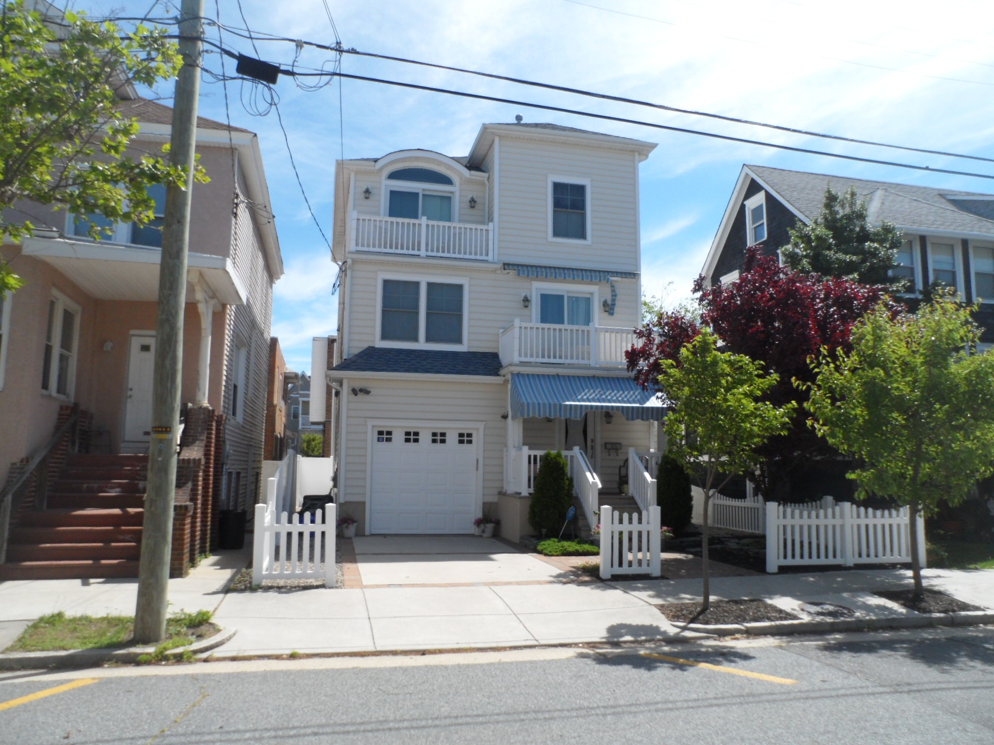 sales property at 35 N Newton Ave