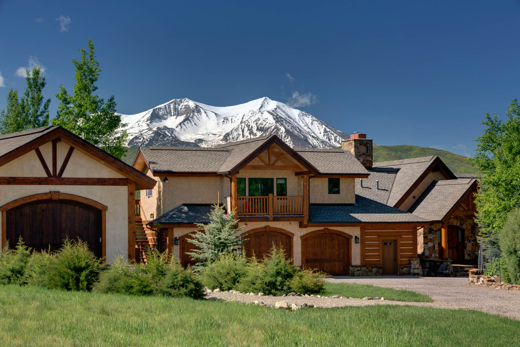 Single Family Home for Sale at Traditional. Tranquil. Treasure. 435 Fox Run Drive Carbondale, Colorado 81623 United States