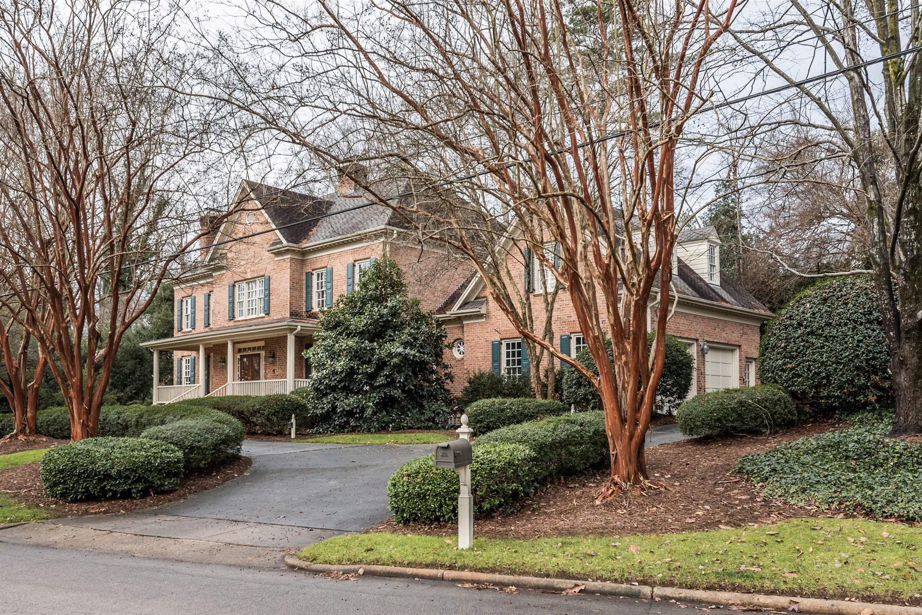 단독 가정 주택 용 매매 에 Drewry Hills 3103 Landor Road Raleigh, 노스캐놀라이나, 27609 미국에서/약: Durham, Chapel Hill, Cary