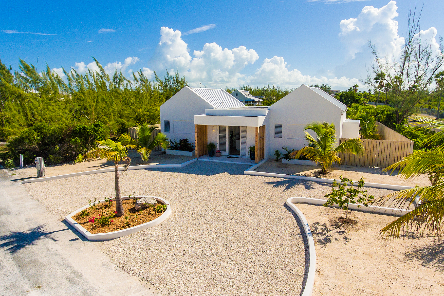 Additional photo for property listing at Caicos Dream Gardenview Leeward, Провиденсьялес TCI Теркс И Кайкос
