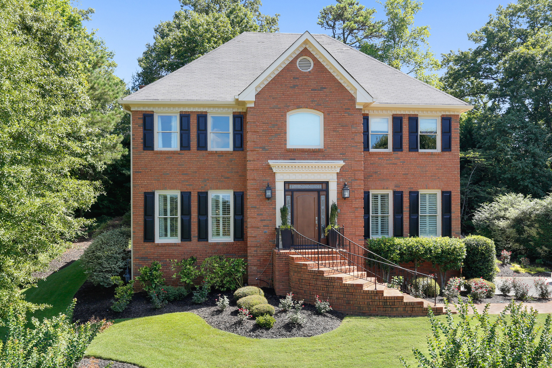 Villa per Vendita alle ore Beautifully Maintained Brick Home 839 Byrnwyck Road NE Atlanta, Georgia 30319 Stati Uniti