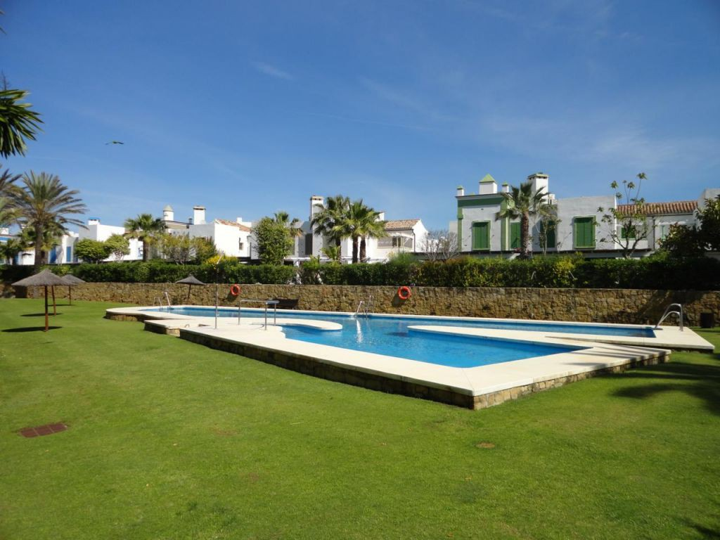 Villetta a schiera per Vendita alle ore Gorgeous and private townhouse Sotogrande, Costa Del Sol, 11310 Spagna
