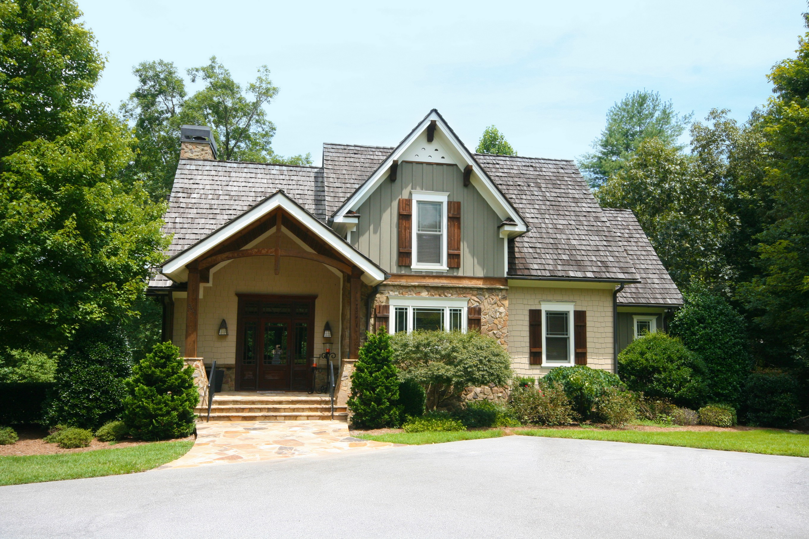Single Family Home for Sale at Enchanting Club Cottage Uniquely Located on the Lake 857 Club House Drive The Cliffs At Keowee Vineyards, Sunset, South Carolina 29685 United States