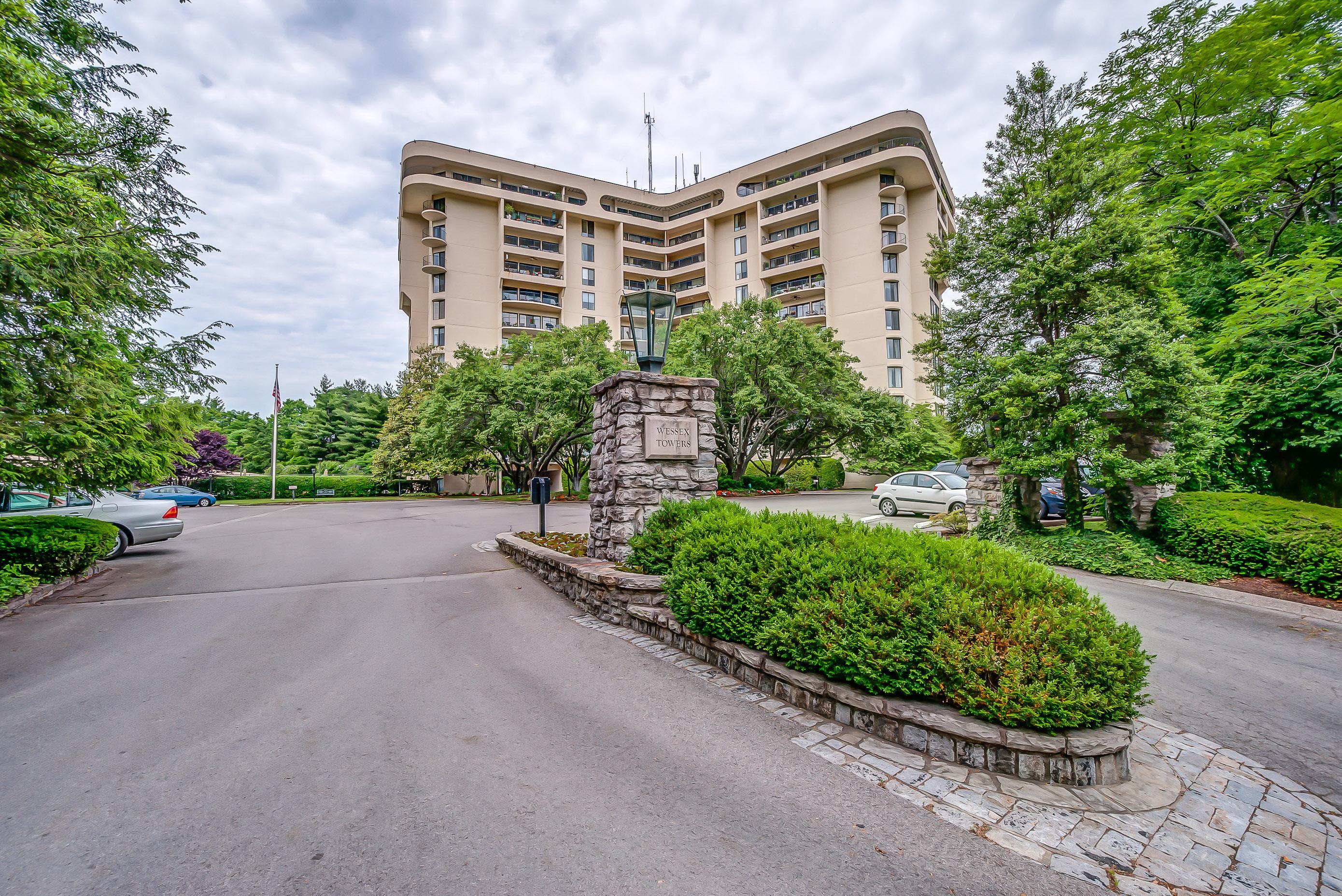 Nhà chung cư vì Bán tại 6666 Brookmont Terrace, #307 Nashville, Tennessee 37205 Hoa Kỳ