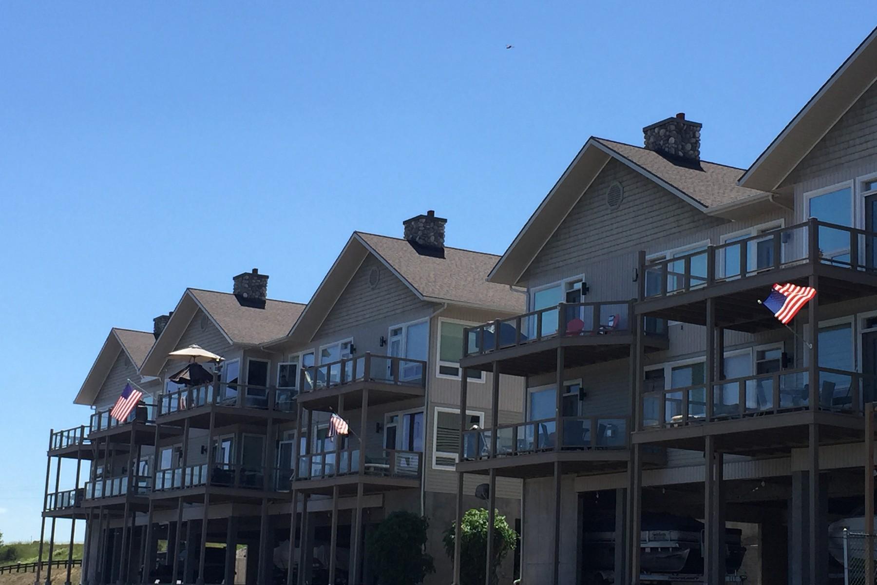 Eigentumswohnung für Verkauf beim Flathead Lake Condo 100 B-6 Rocky Point Road Polson, Montana 59860 Vereinigte Staaten